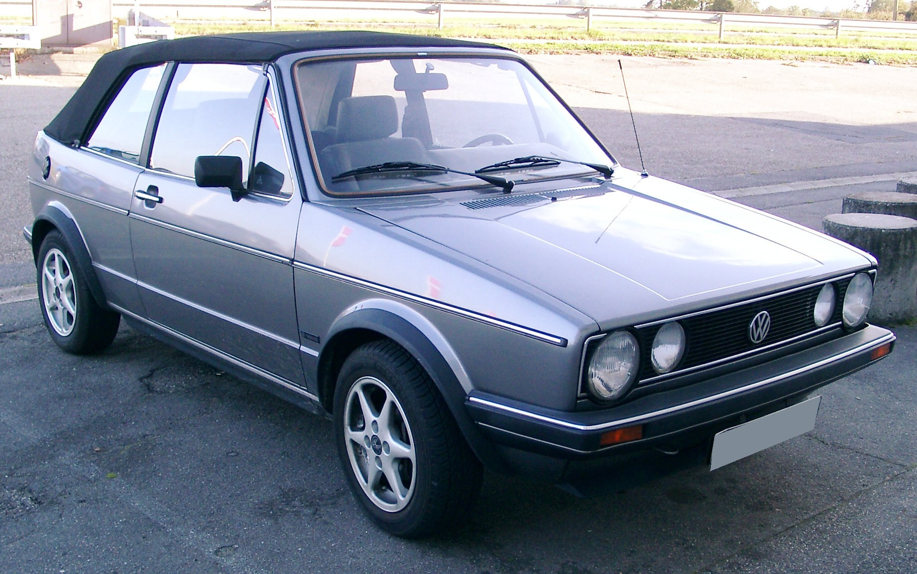 file vw golf 1 cabrio front wikimedia commons. Black Bedroom Furniture Sets. Home Design Ideas