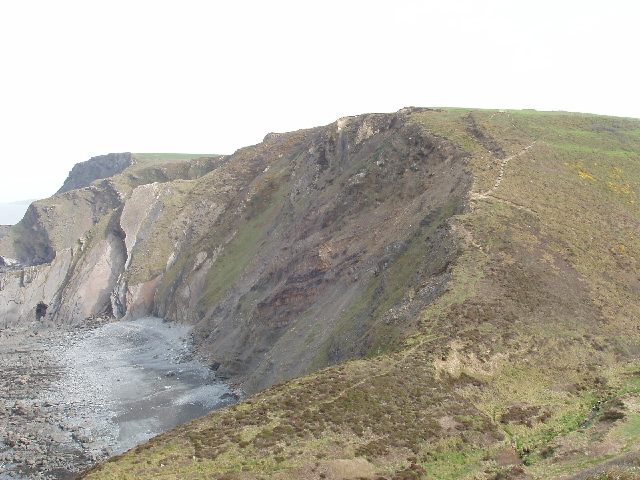 File:Vicarage Cliff, site of Hawker's Hut, across The Tidna - geograph.org.uk - 412192.jpg