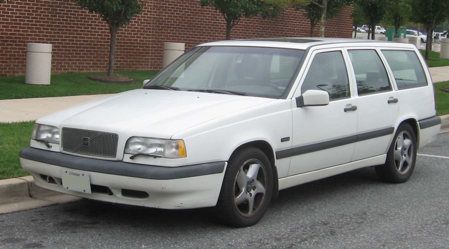 File Volvo 850 Wagon Front Jpg Wikimedia Commons