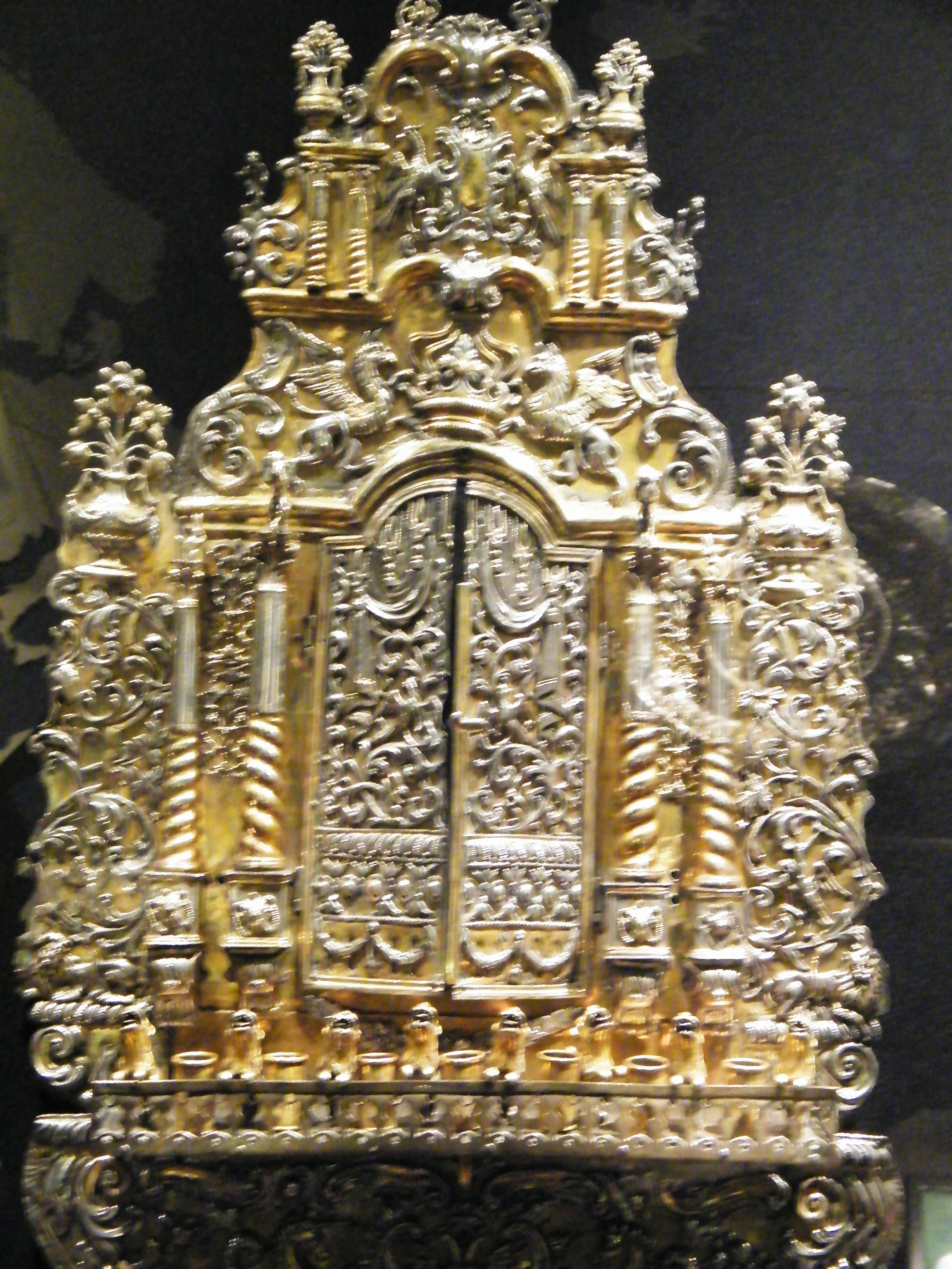 File:WLA jewishmuseum Hanukkah Lamp 3.jpg - Wikimedia Commons