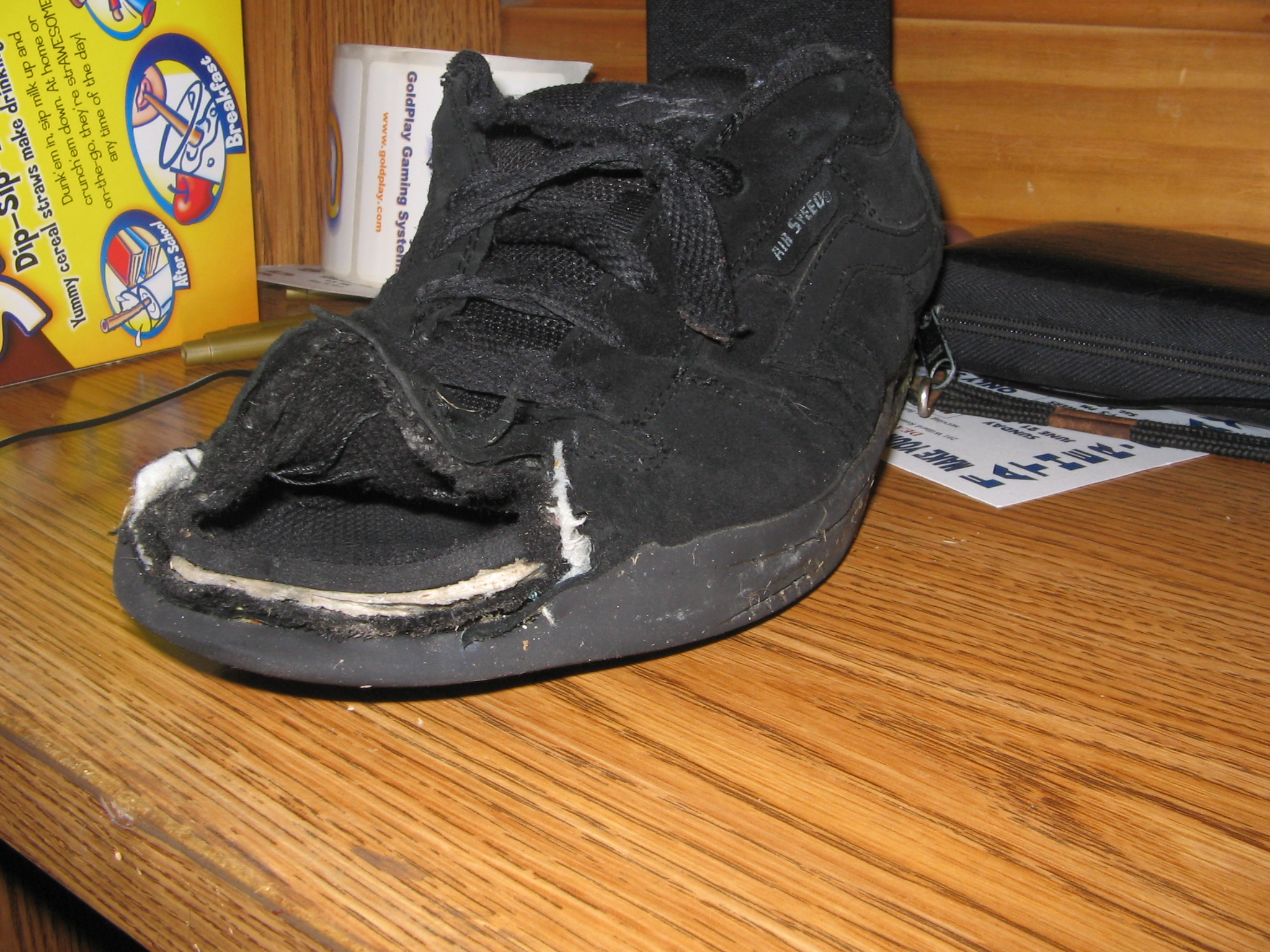 f138103ebac3 File Walmart-shoes.jpg - Wikimedia Commons