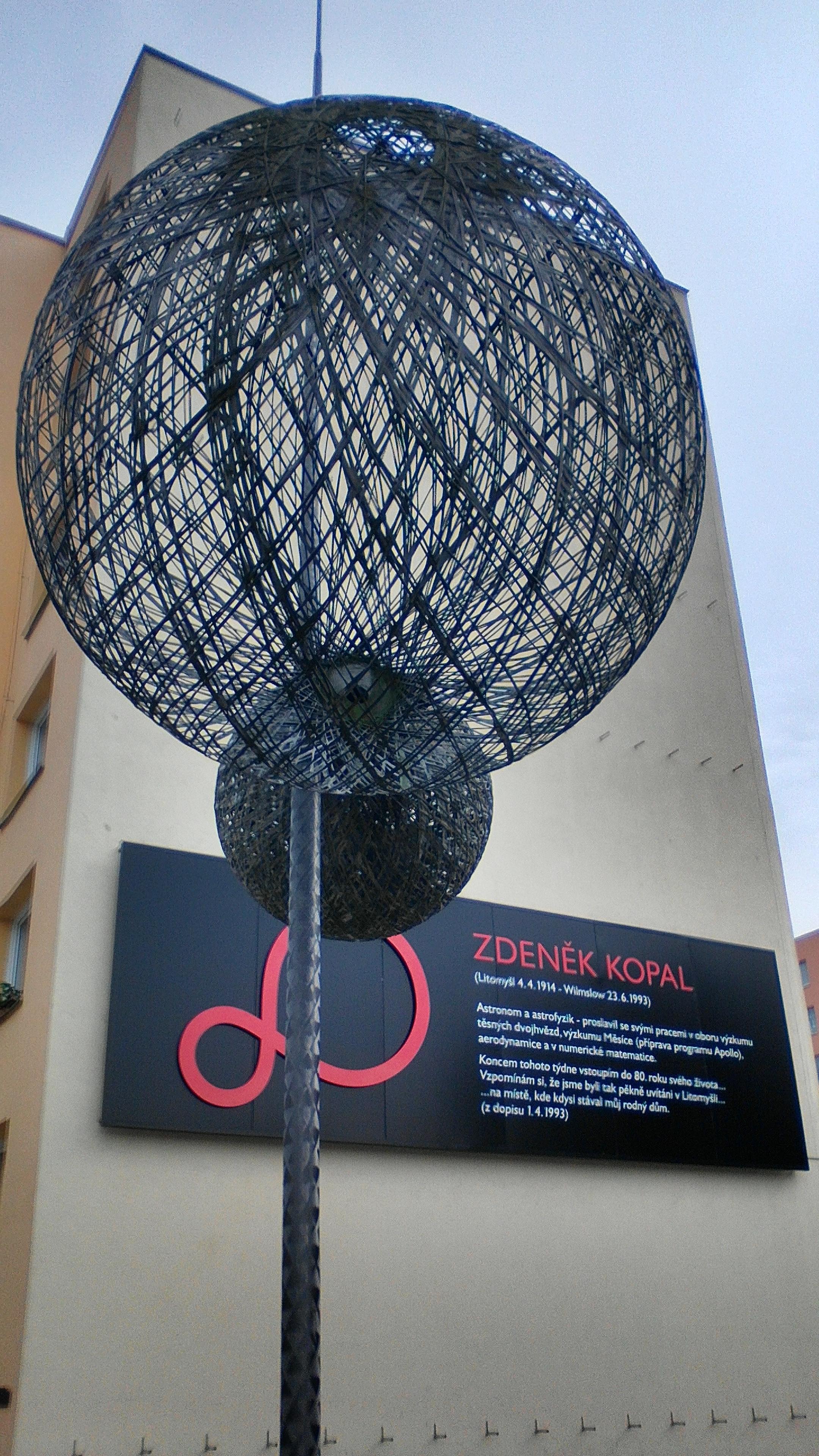 """Sculpture """"''[[Binary star"""