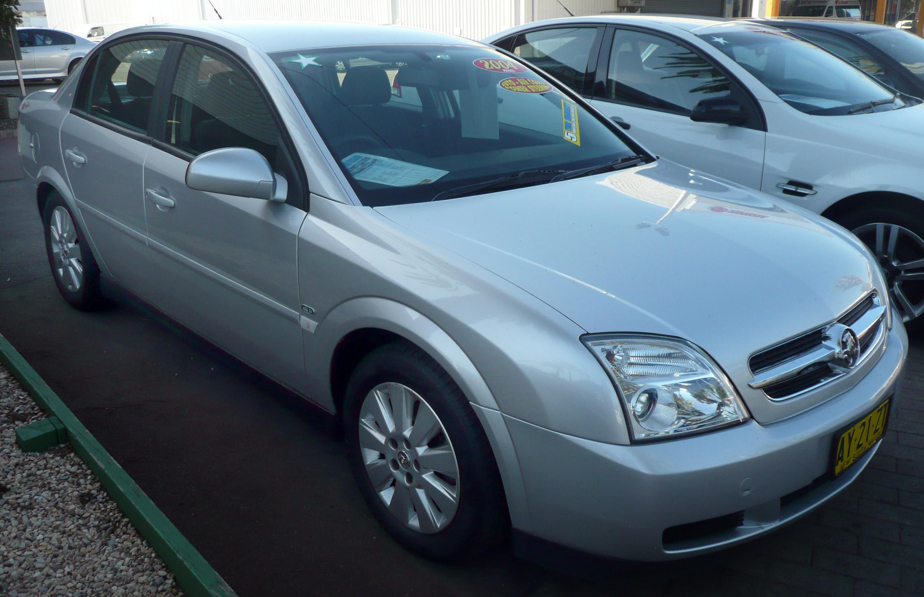 File:2004 Holden Vectra (ZC MY04) CD sedan (2008-12-