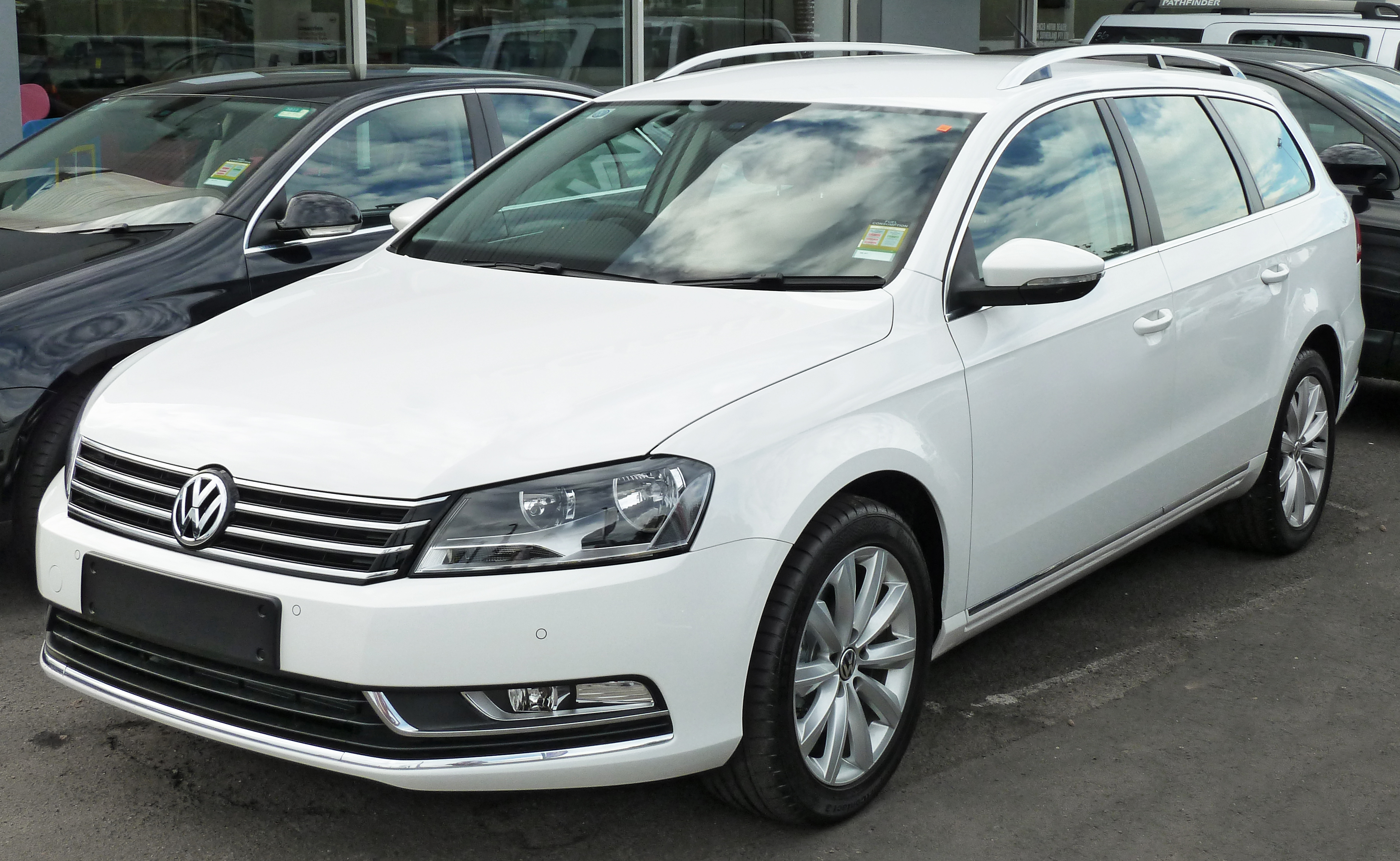 file 2011 volkswagen passat 3c 118tsi station wagon. Black Bedroom Furniture Sets. Home Design Ideas
