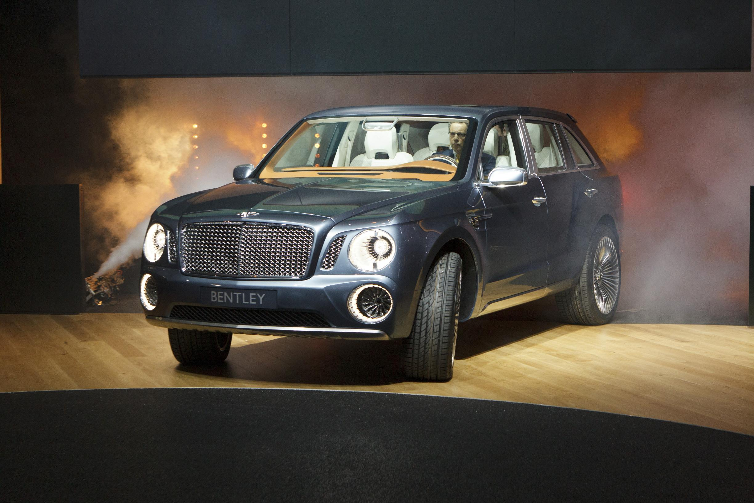 File:2012 Geneva Motor Show - Bentley EXP 9F (6974977083).jpg ...