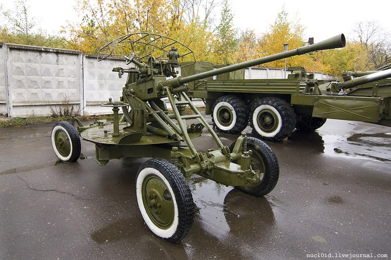 File:37mm anti-aircraft cannon 61-K (1939) in Perm jpg
