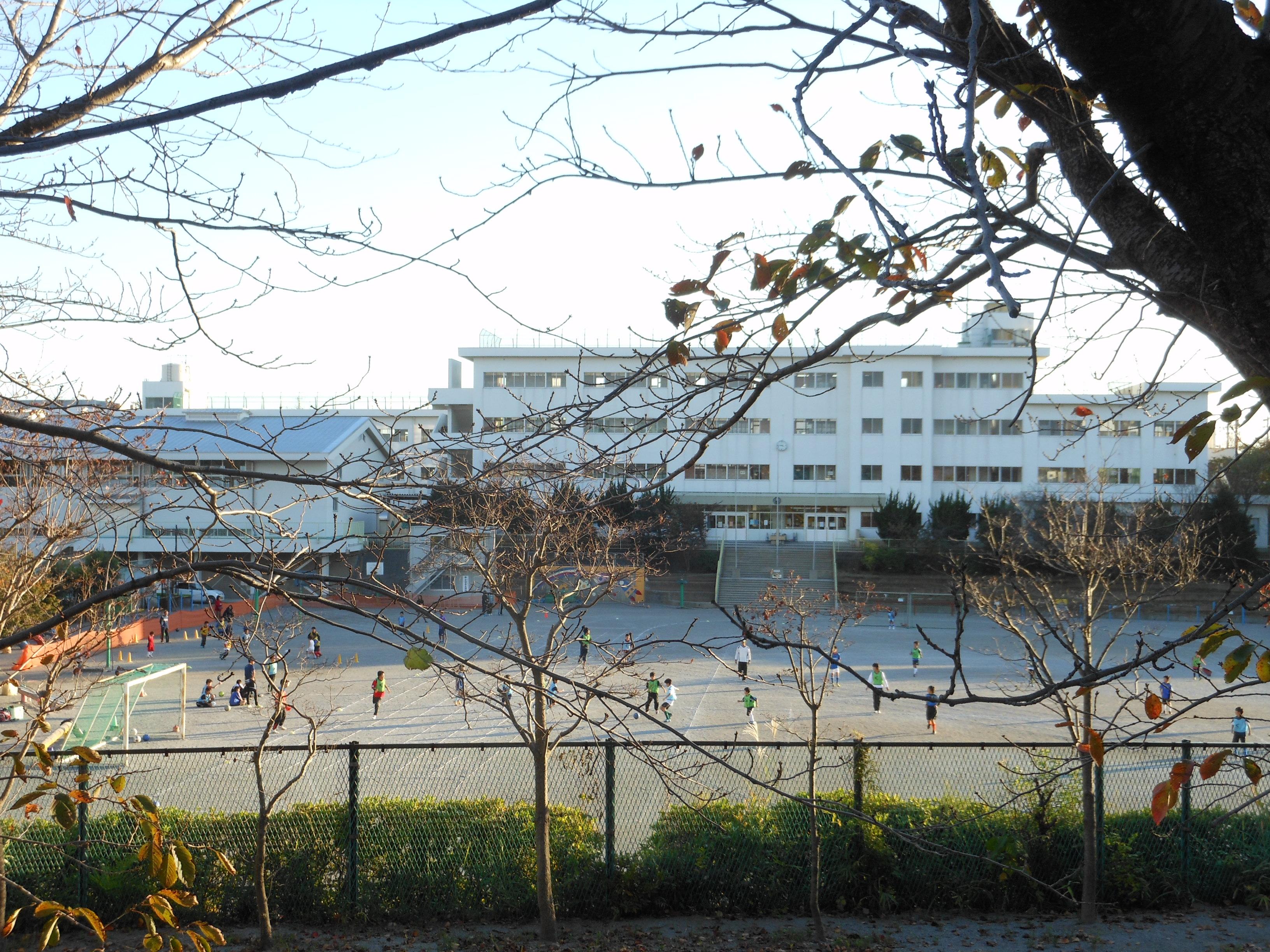 File Abiko City Abiko First Elementary School Jpg Wikimedia Commons