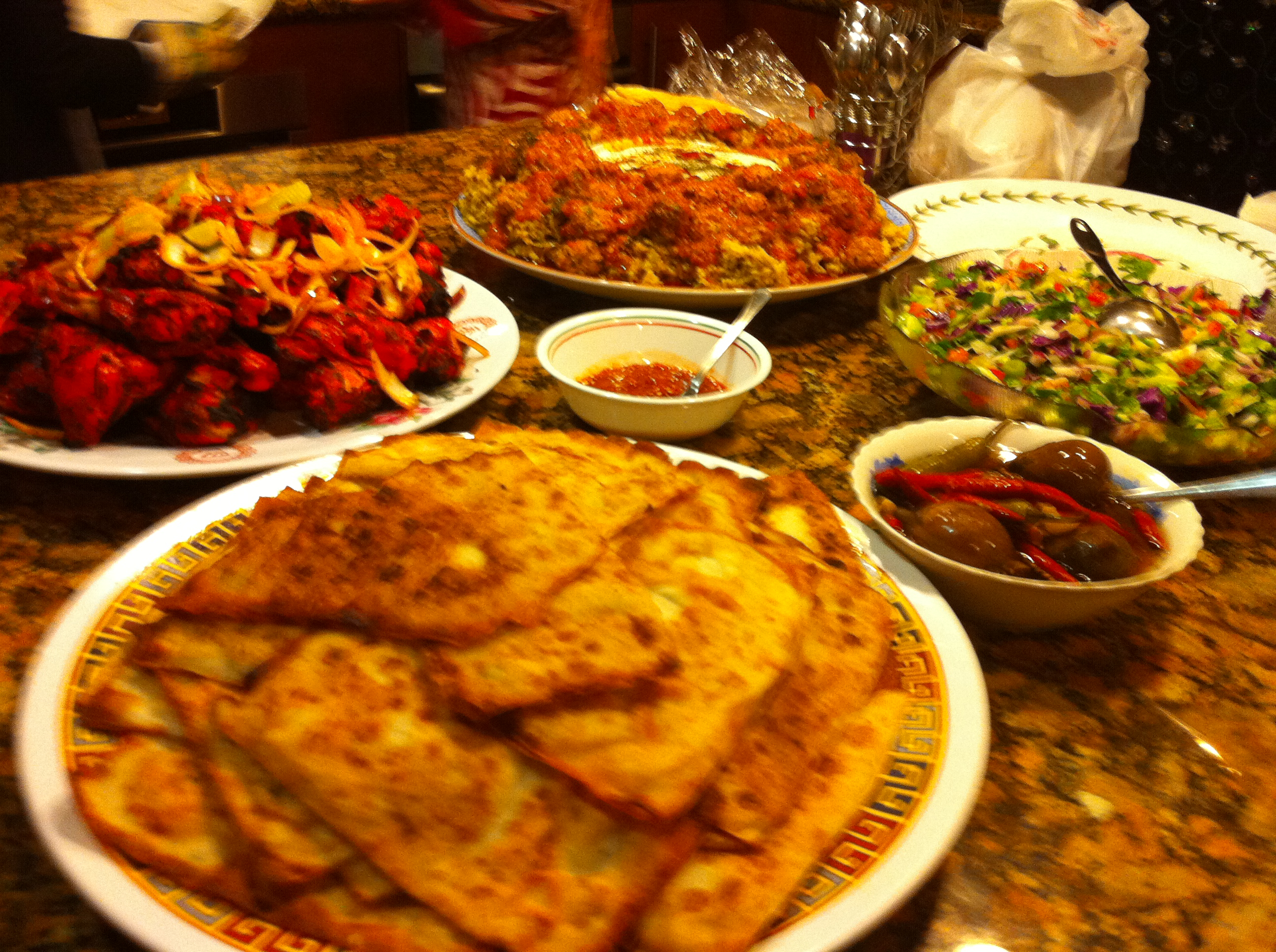 Afghan food by By ANBI (Own work) [CC-BY-SA-3.0 (https://creativecommons.org/licenses/by-sa/3.0)], via Wikimedia Commons