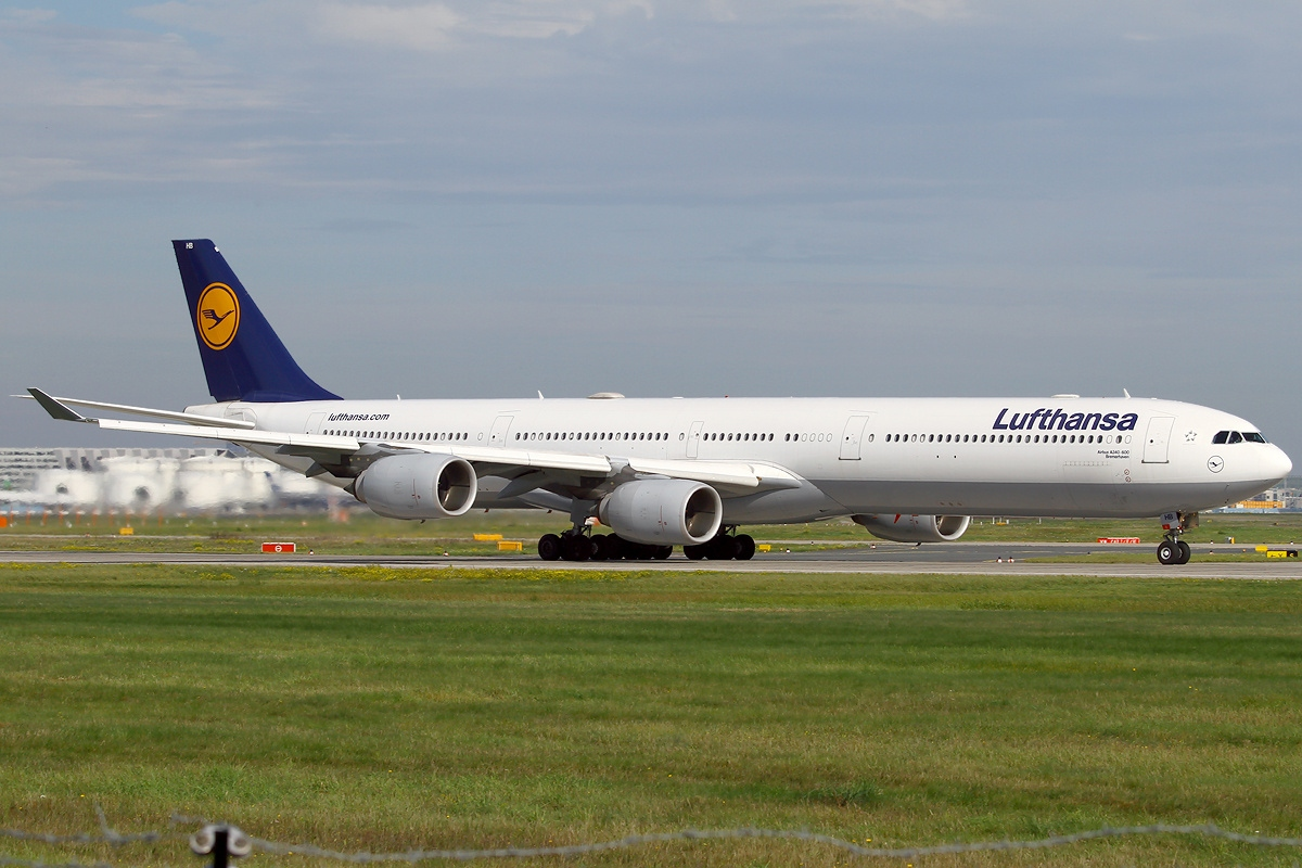 file airbus a340 642 lufthansa wikimedia commons. Black Bedroom Furniture Sets. Home Design Ideas
