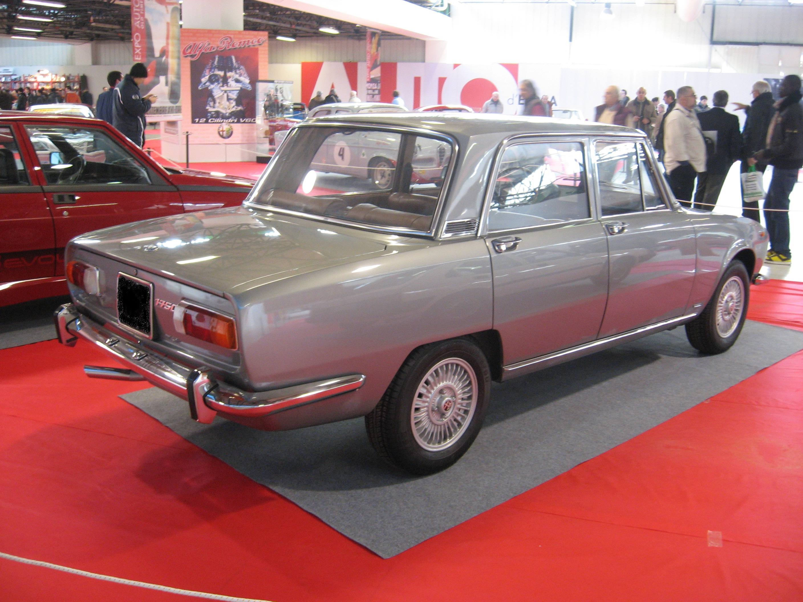 File:Alfa Romeo 1750 berlina grey-rear.JPG - Wikimedia Commons