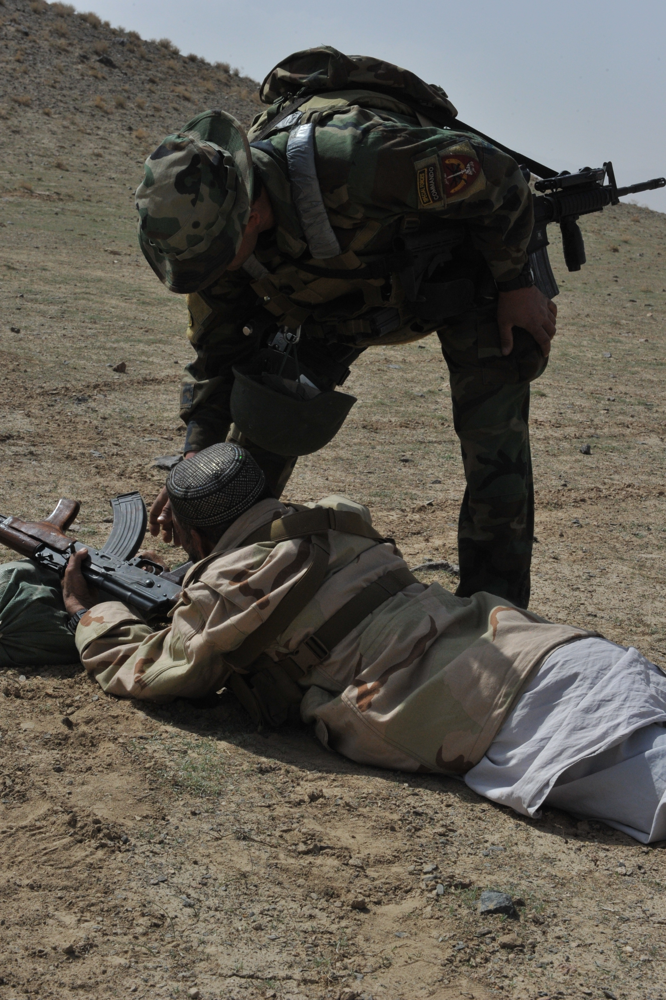 File:An Afghan National Army Special Forces soldier, top ... Army Special Forces Weapons