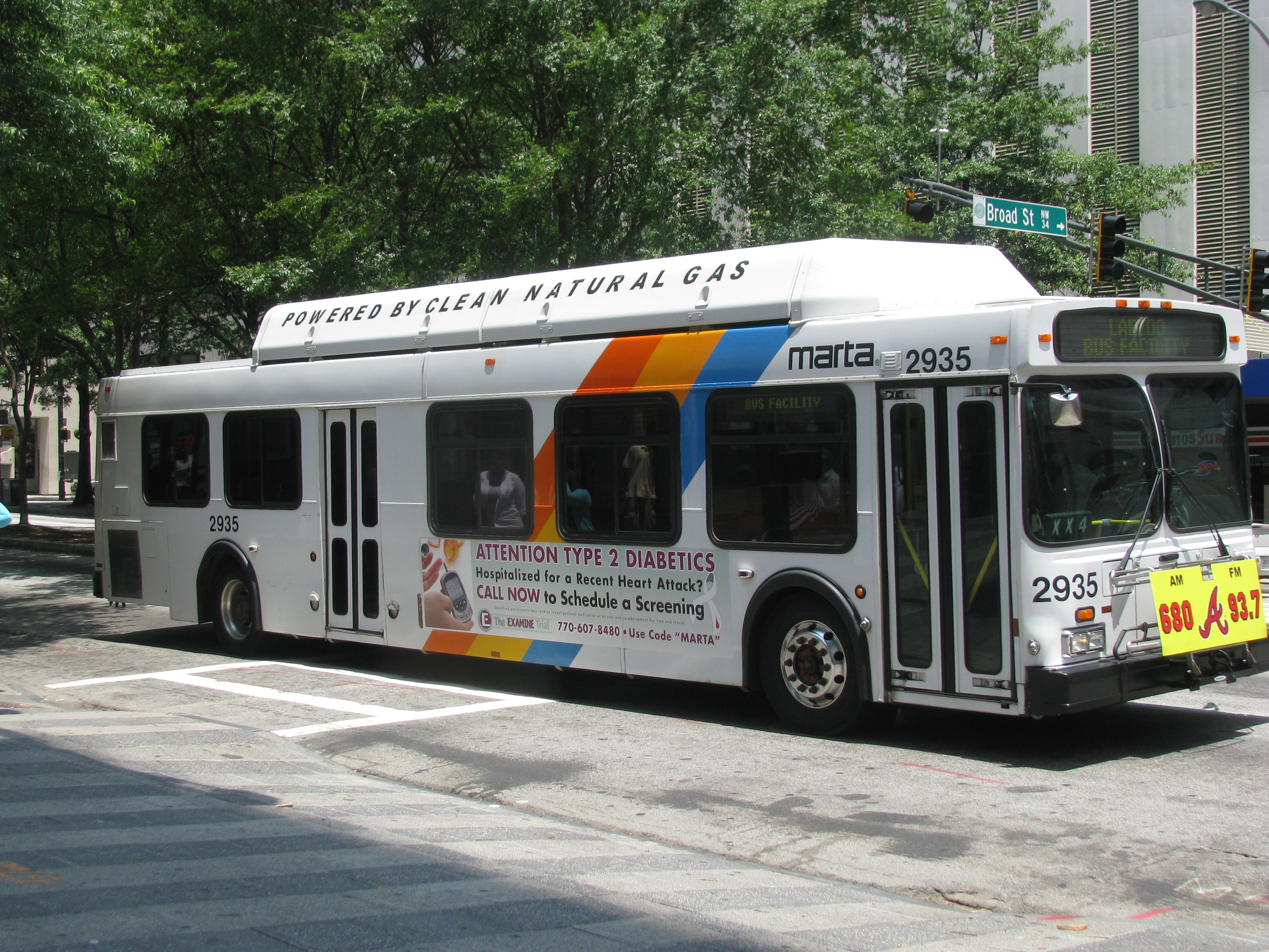 file:another 2001 c40lf - wikimedia commons