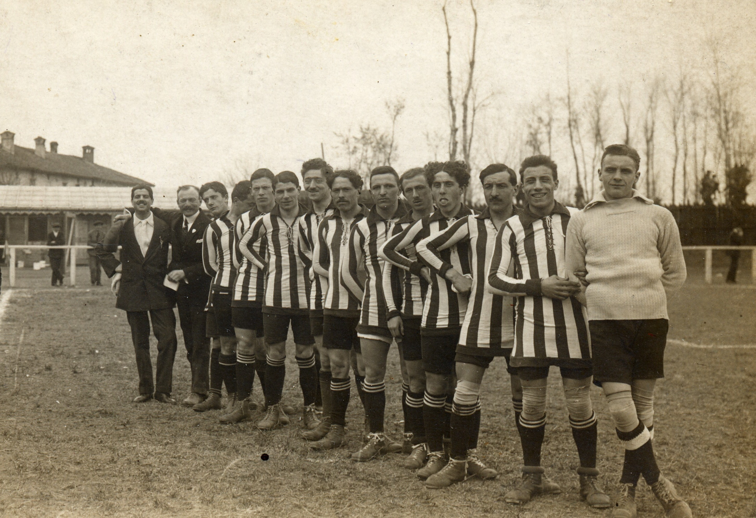 File:Atalanta 1913-14.jpg - Wikipedia