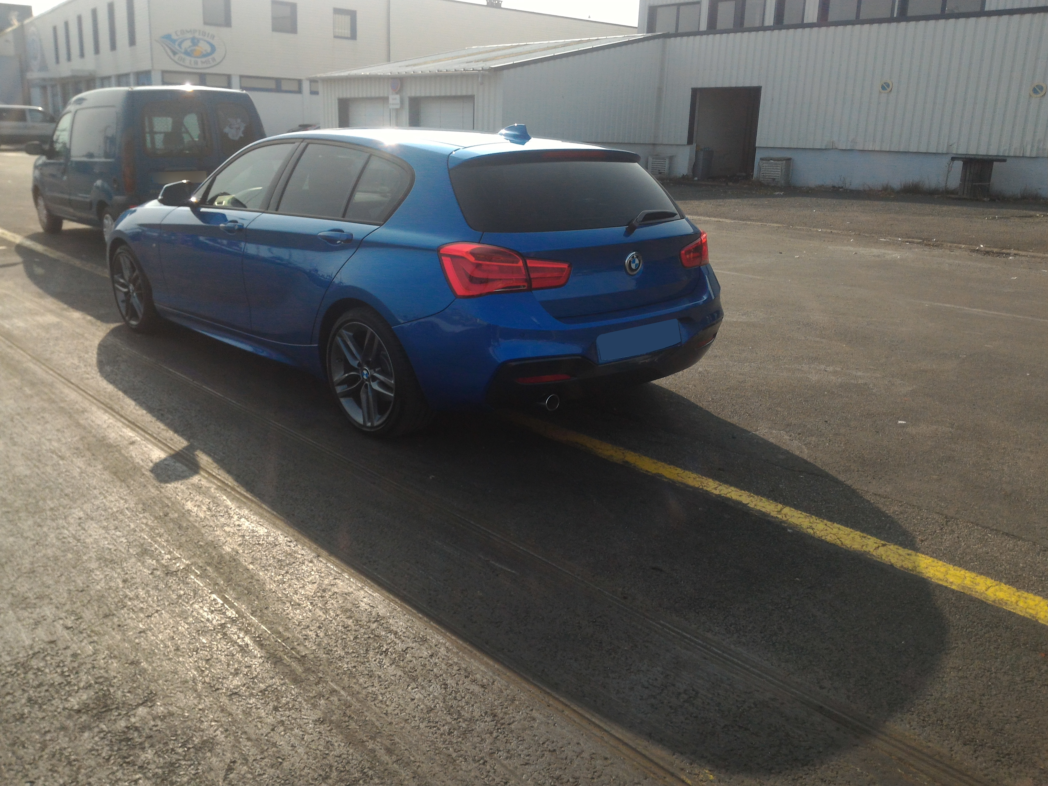file bmw 1 series 118d f20 with m sport pack 1 2015 wikimedia commons. Black Bedroom Furniture Sets. Home Design Ideas