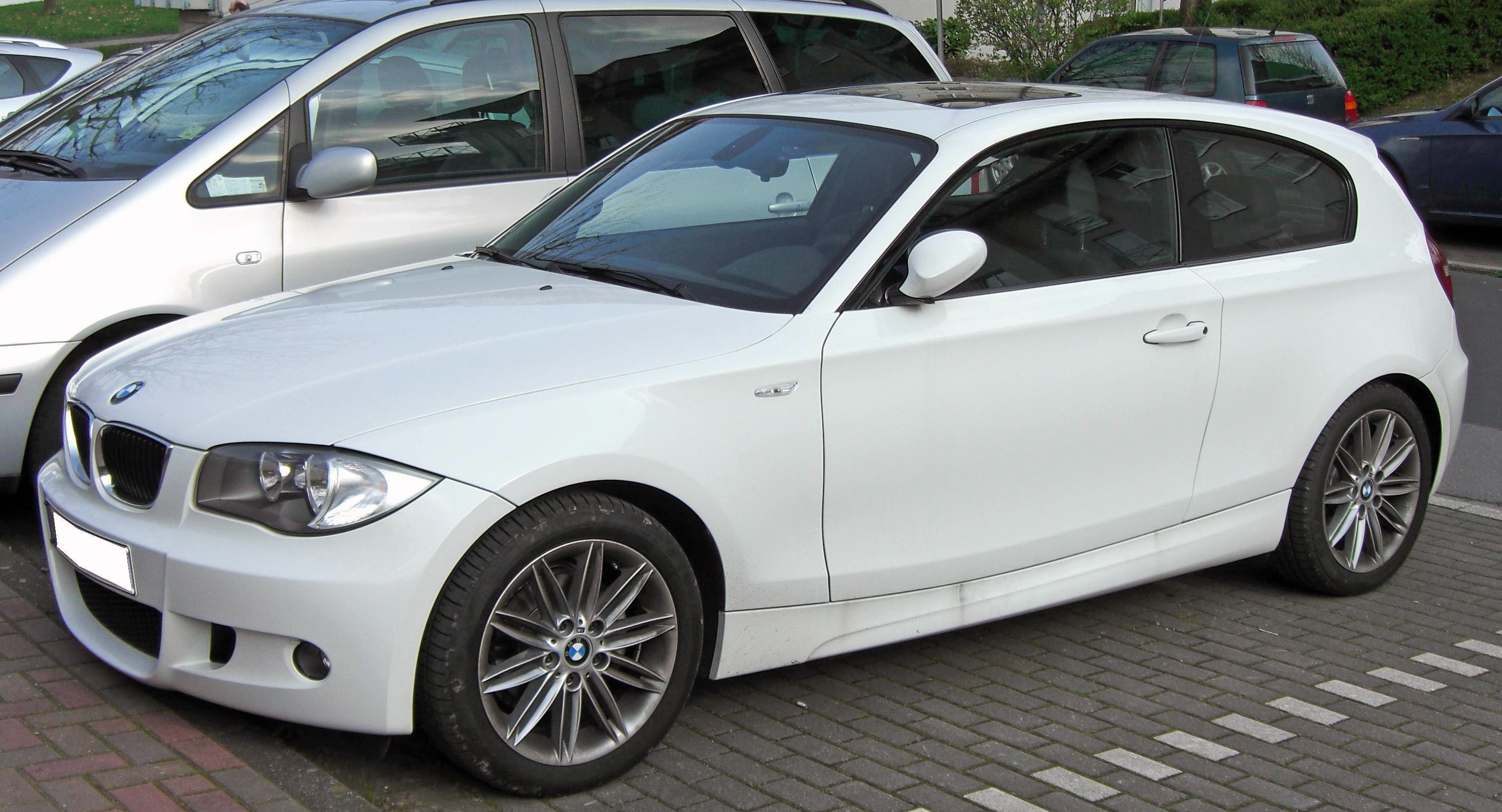 File Bmw 1er Facelift 3 Dr M Sportpaket Jpg Wikimedia Commons