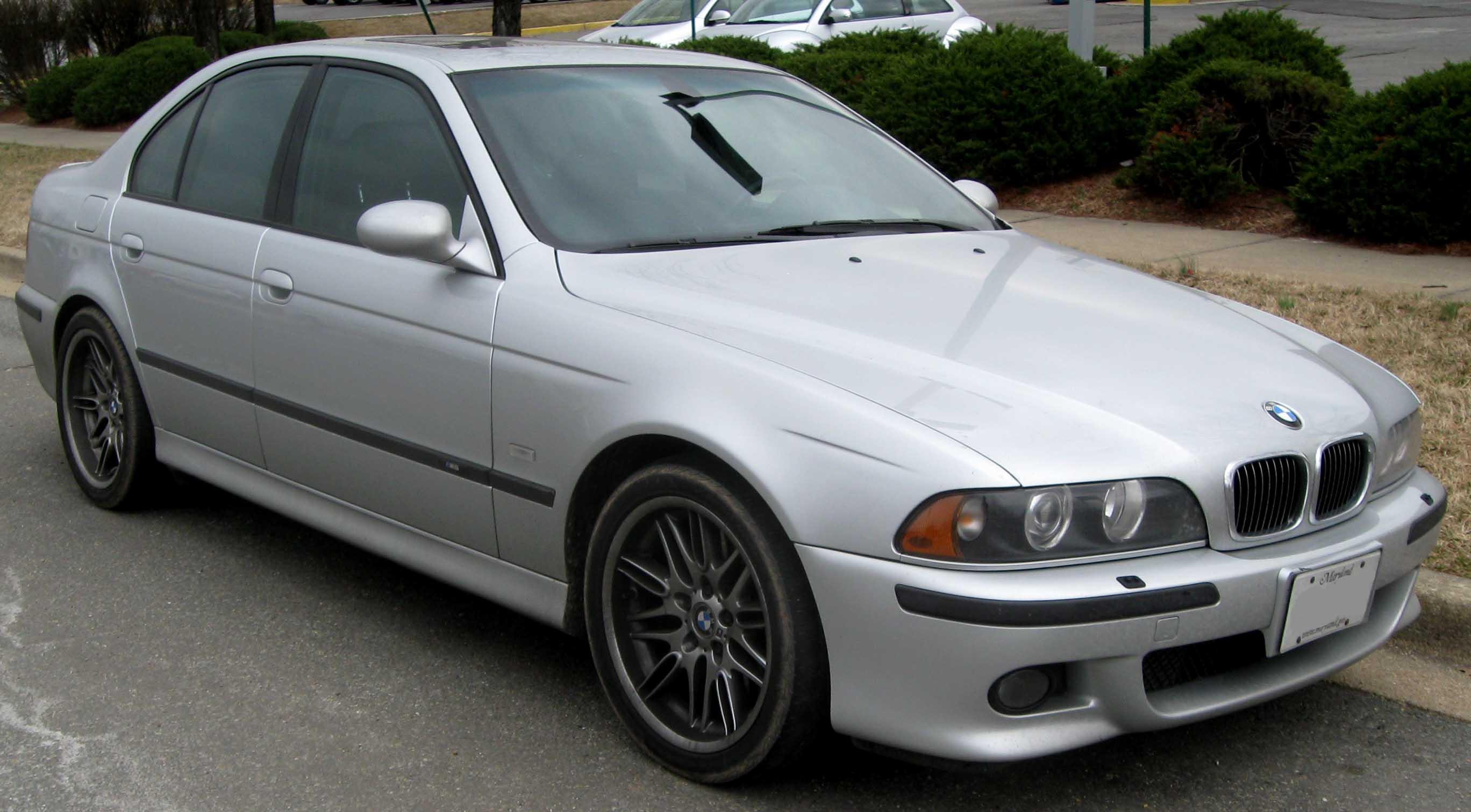 File:BMW M5 E39