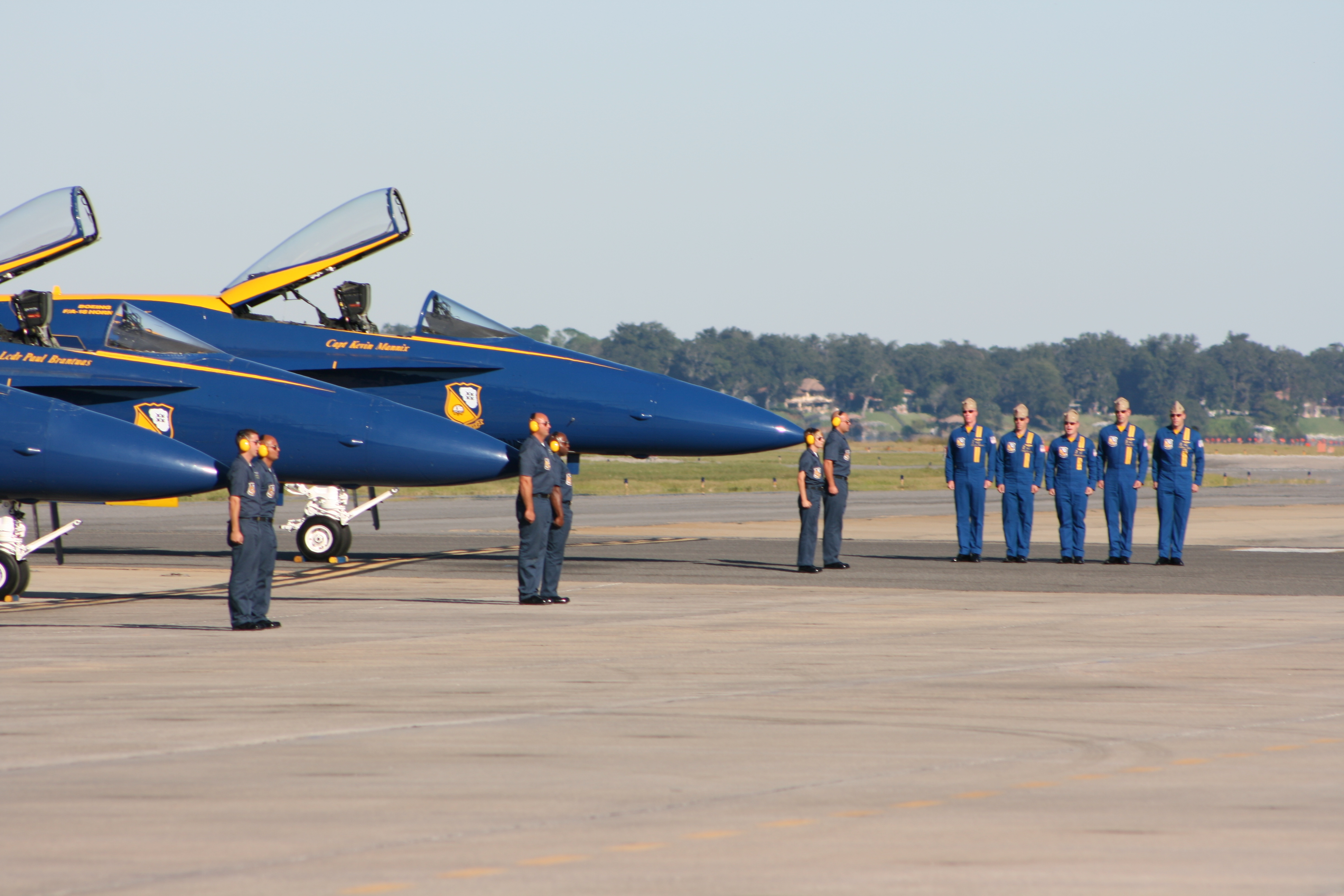 File blue angels nas jacksonville air show 2796 jpg for Airplane show