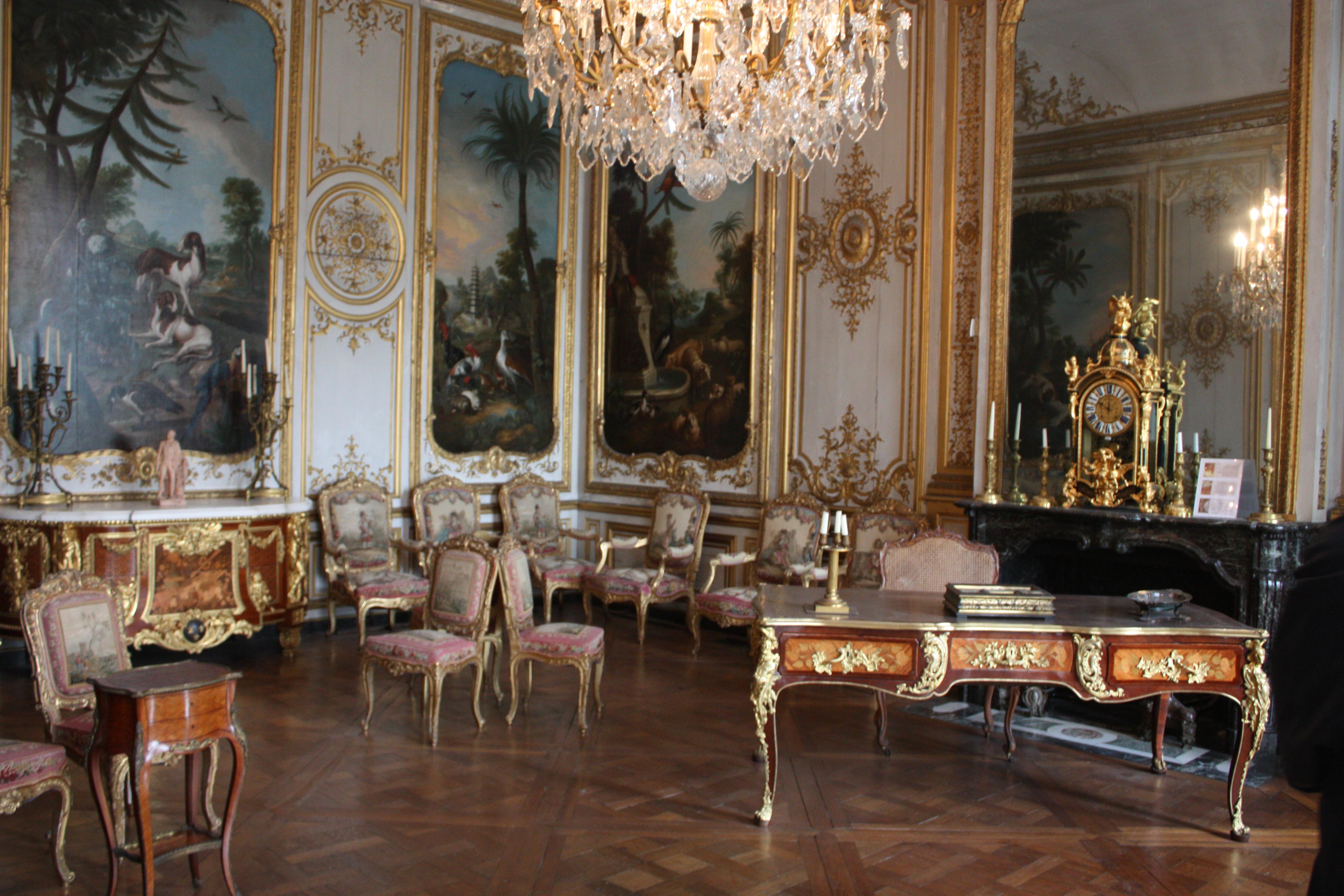 File ch teau de chantilly petit cabinet mobilier 20120917 for Petit mobilier de salon