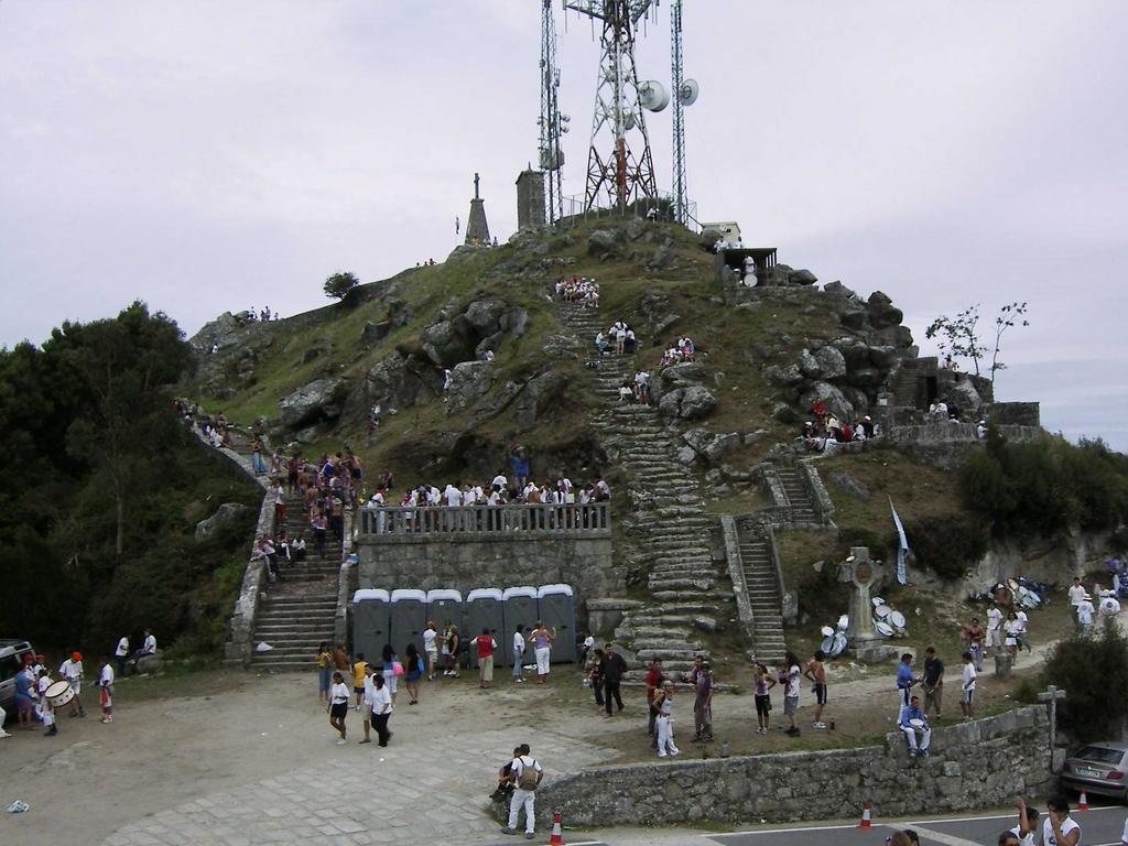 Ficheiro:Cumio do monte de Santa Trega.jpg - Wikipedia, a enciclopedia libre