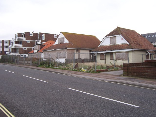 Demolition_of_Houses_-_Lee_on_Solent_-_geograph.org.uk_-_1046283.jpg?profile=RESIZE_400x
