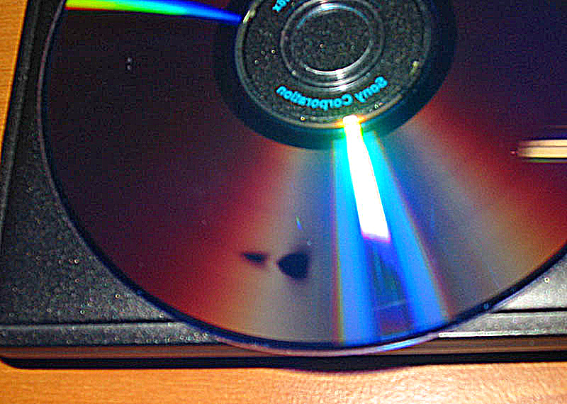 how to use an xbox one s to play dvds
