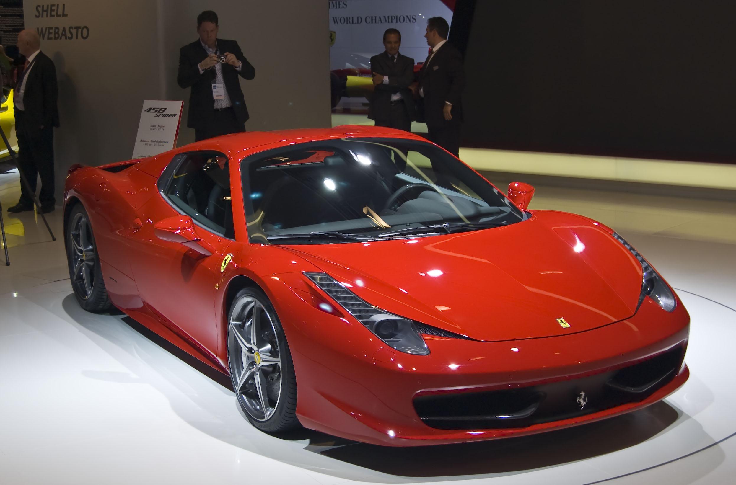 Ferrari Spider Salno Dermon