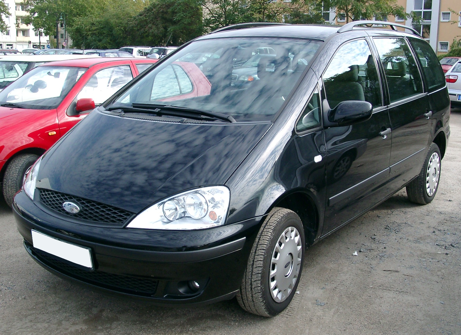 Ford galaxy front 20071001 jpg
