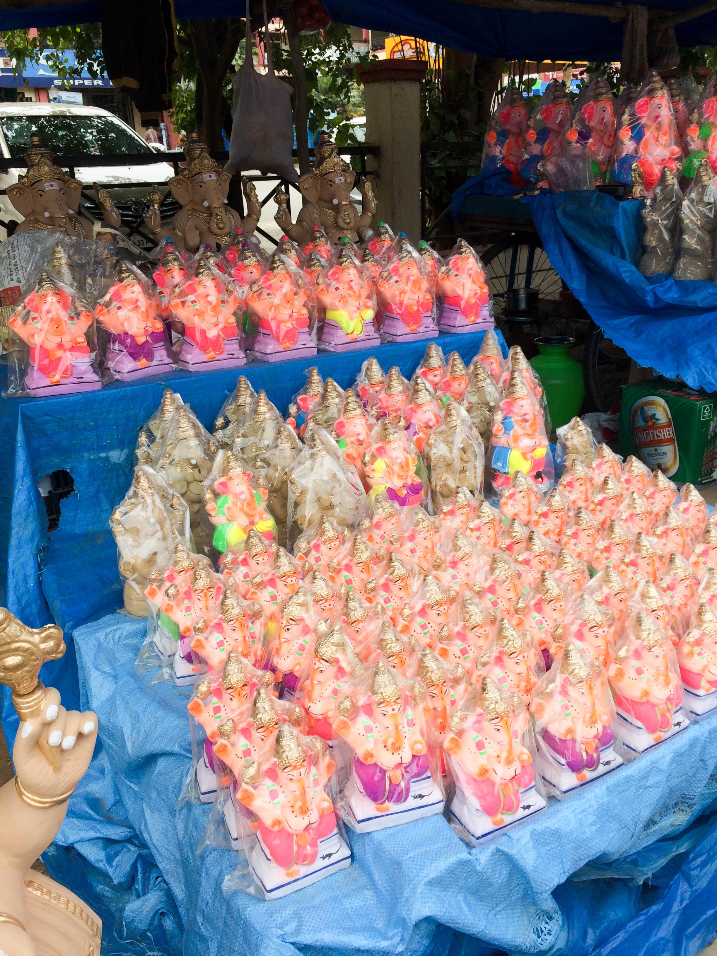 fileganesh murti images small sized ganesh idols on sale for ganesh chaturthi