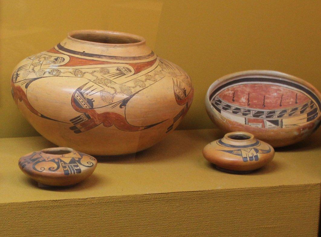 An examination of the art of hopi pottery