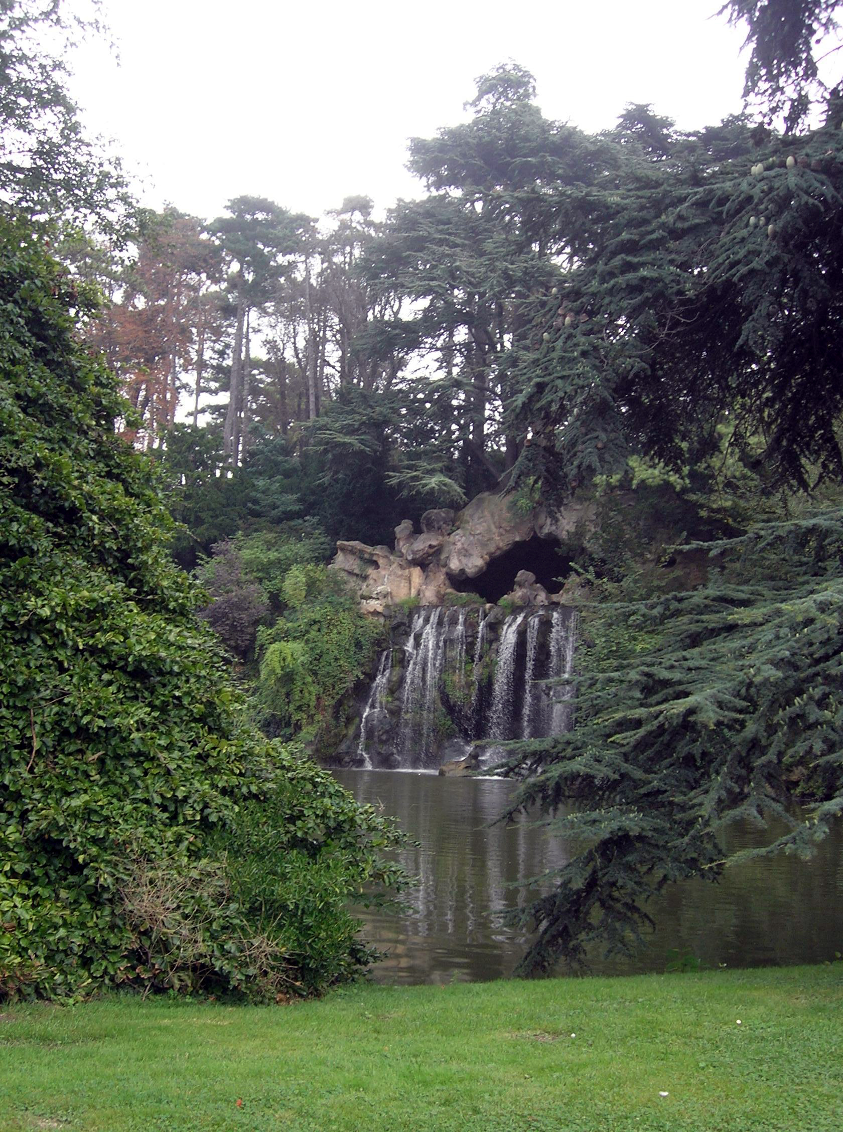Image Bois De Boulogne : File:Grande cascade bois de Boulogne.JPG