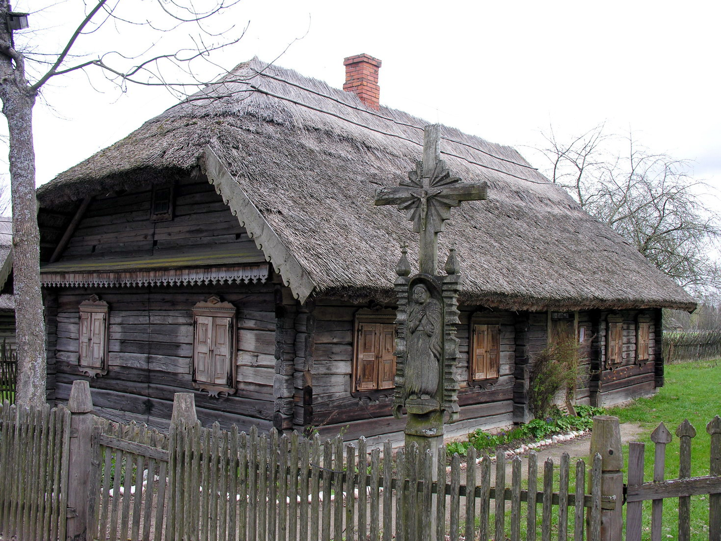 Traditionelles altes litauisches Haus