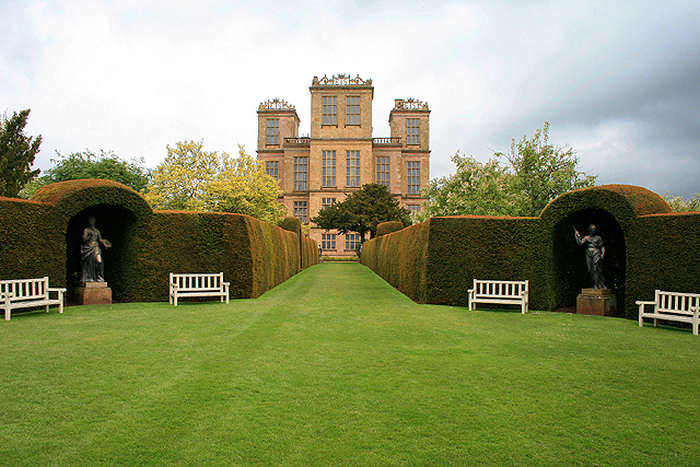 [[Hardwick Hall]] - Girouard's pioneering study of [[Robert Smythson]], later revised and reissued as ''Elizabethan Architecture'', established his reputation.