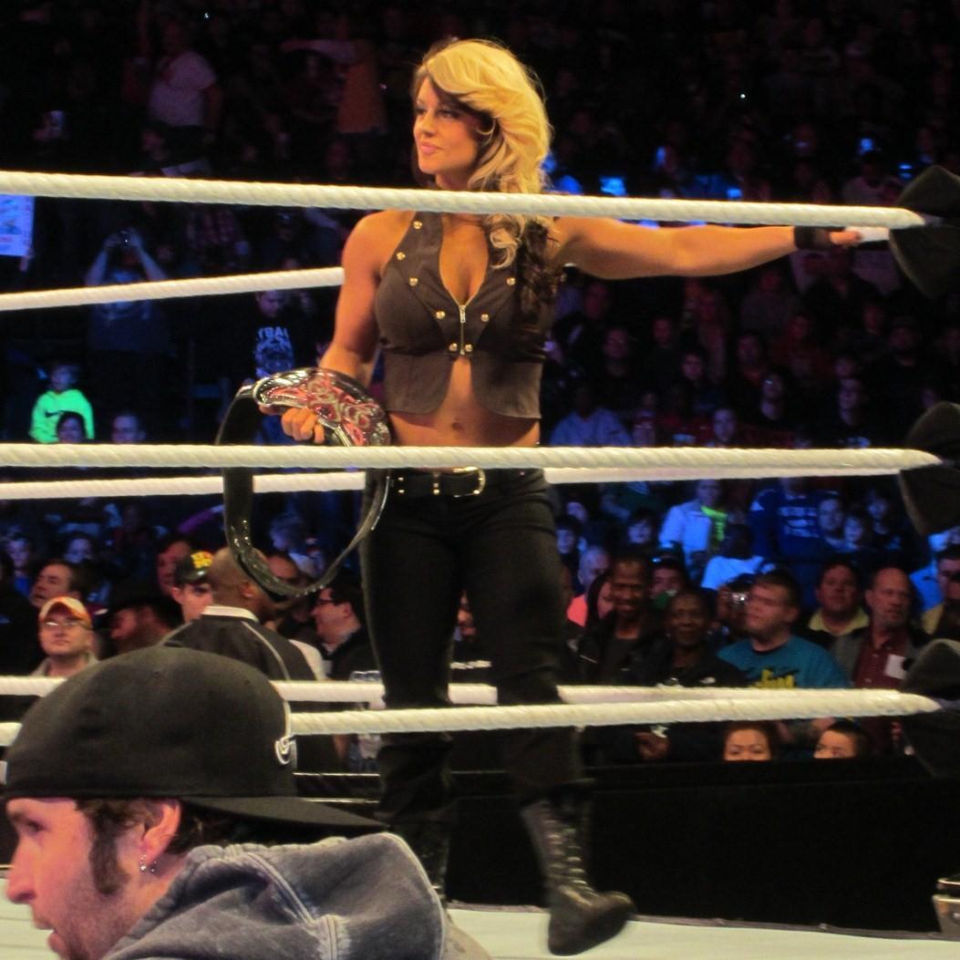 Kaitlyn Divas Champion Feb 13.jpg