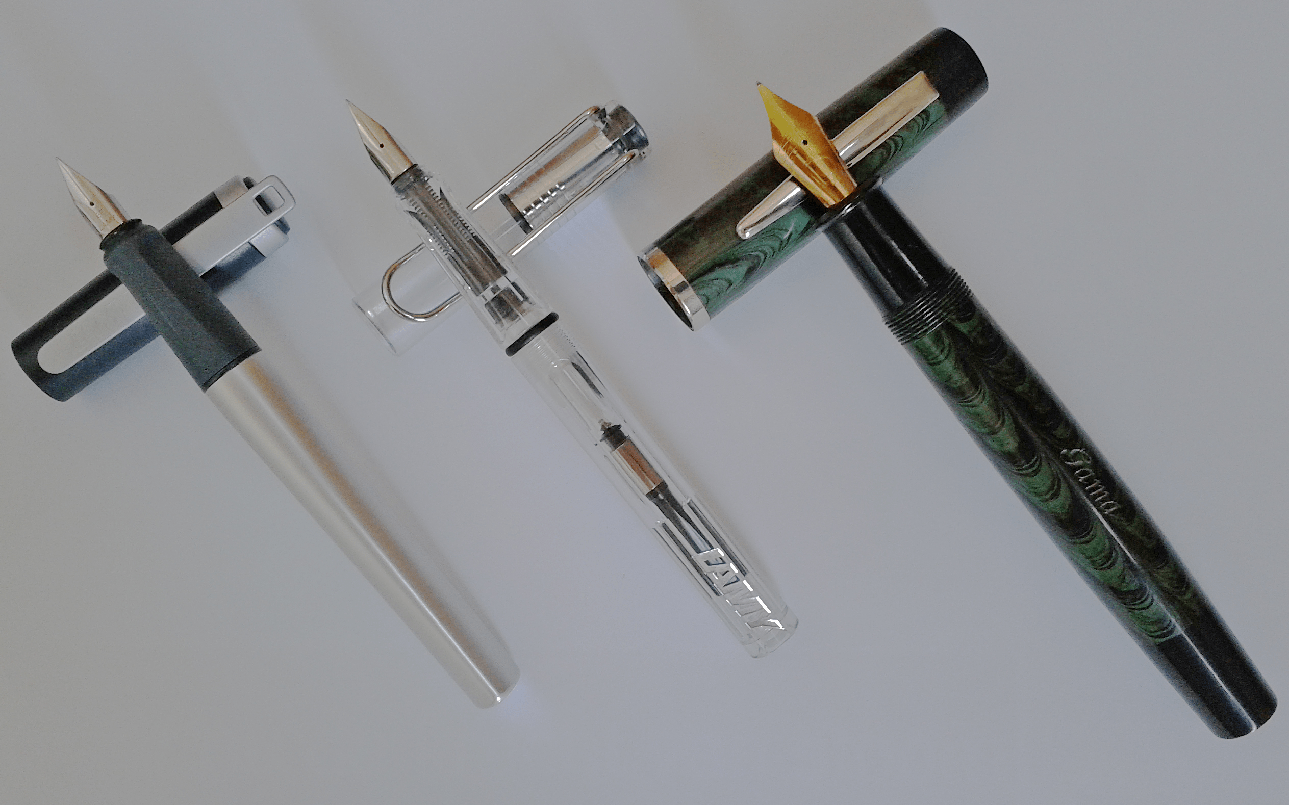 What is the advantage of a fountain pen?