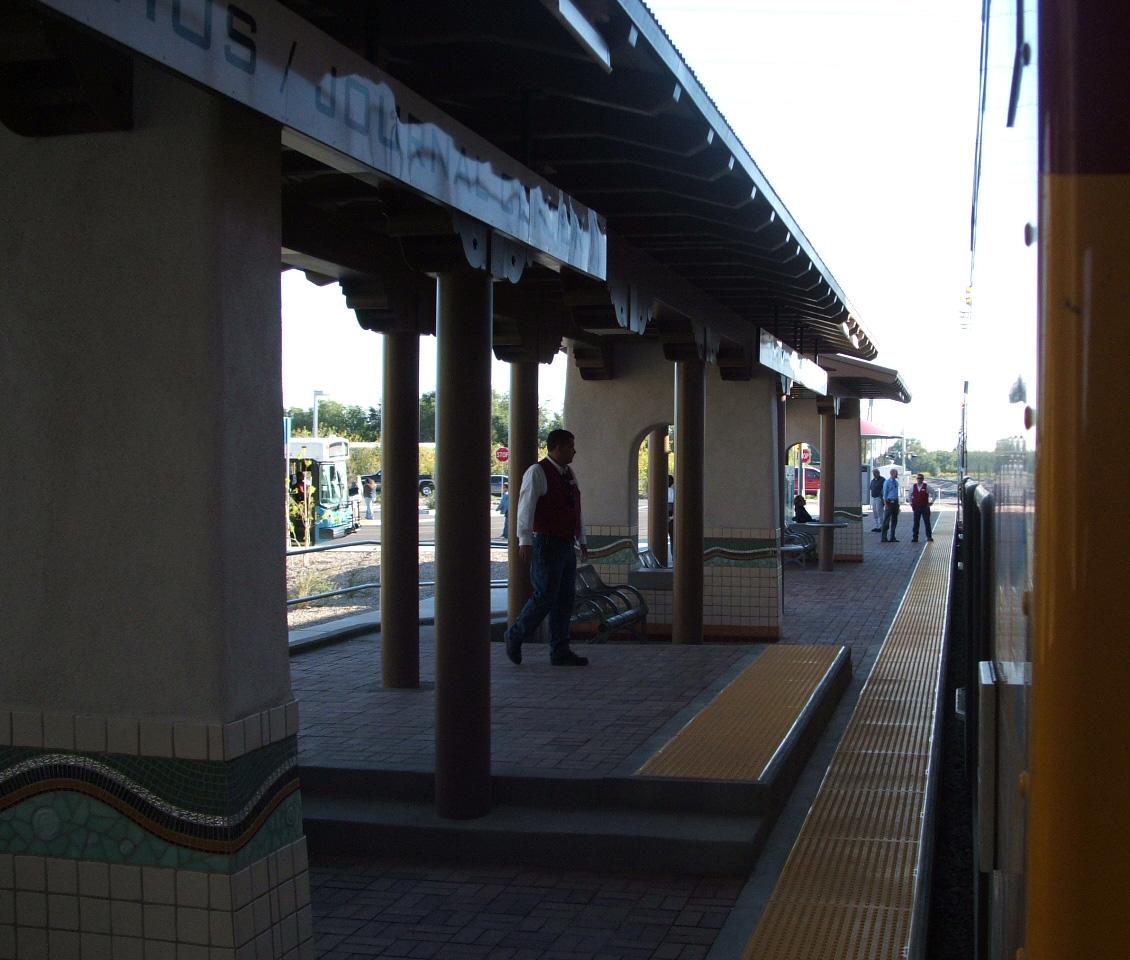 New Runner >> Los Ranchos/Journal Center (Rail Runner station) - Wikipedia