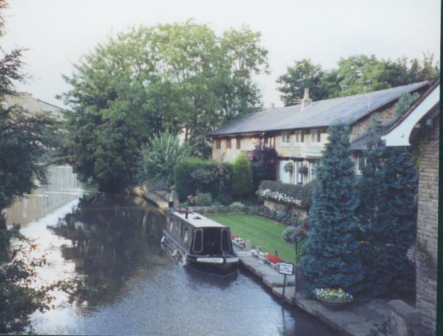 Macclesfield Canal near Bollington - geograph.org.uk - 246913