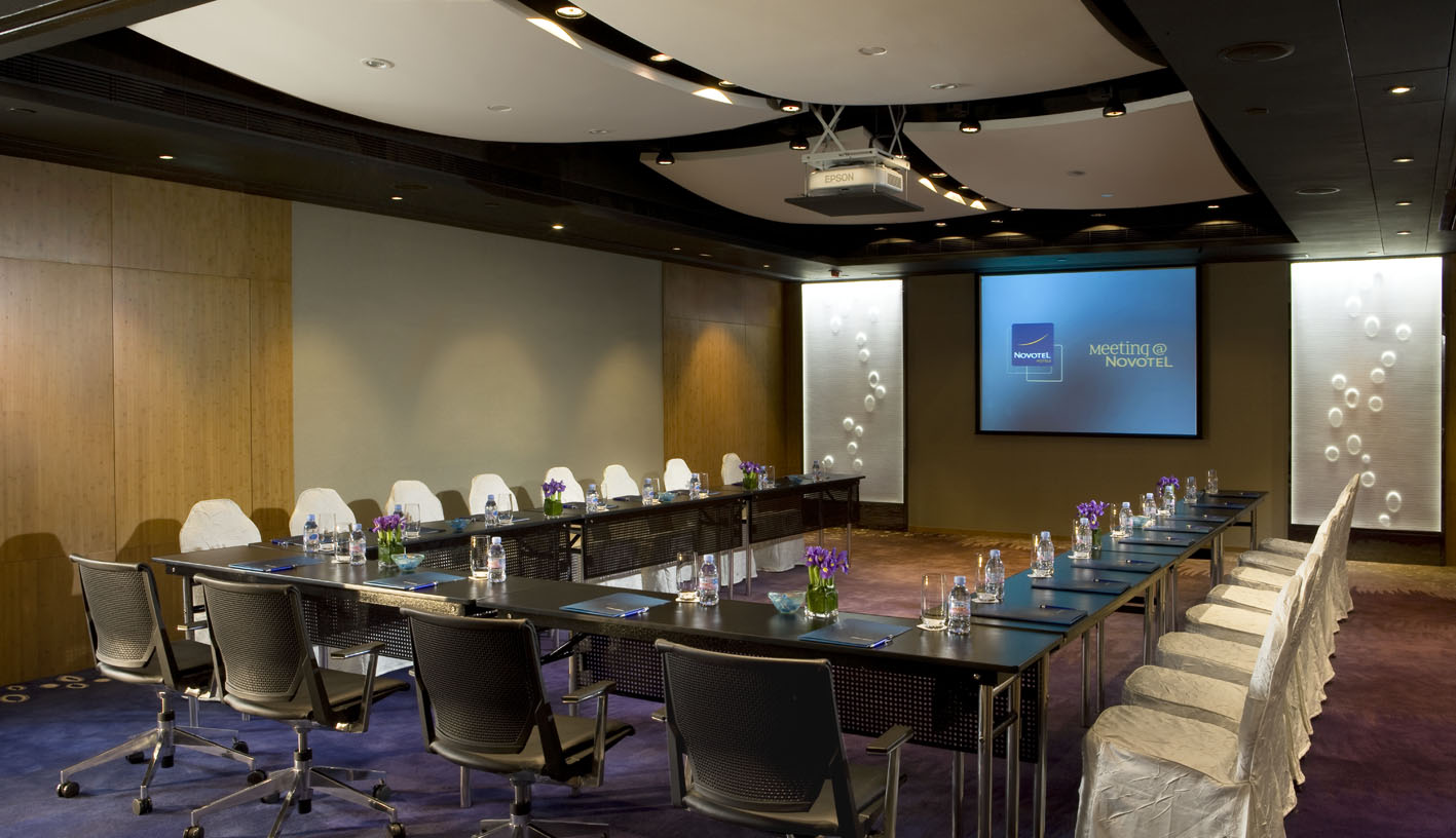 file:meeting room (u shape) - novotel century hong kong hotel