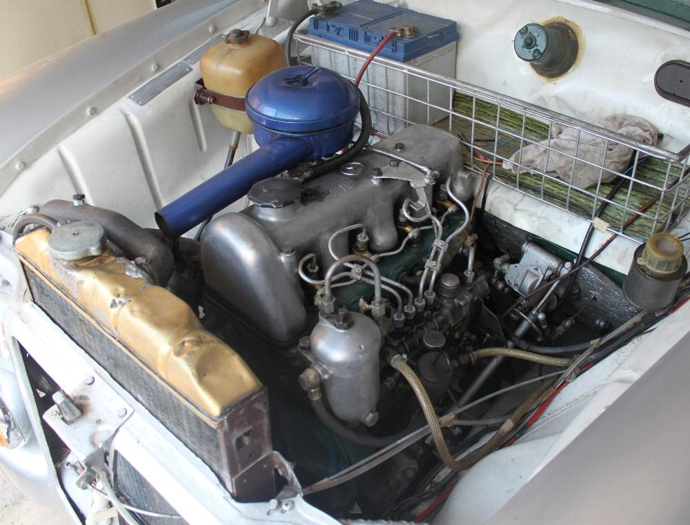 File mercedes benz wikimedia commons for Mercedes benz marine engines
