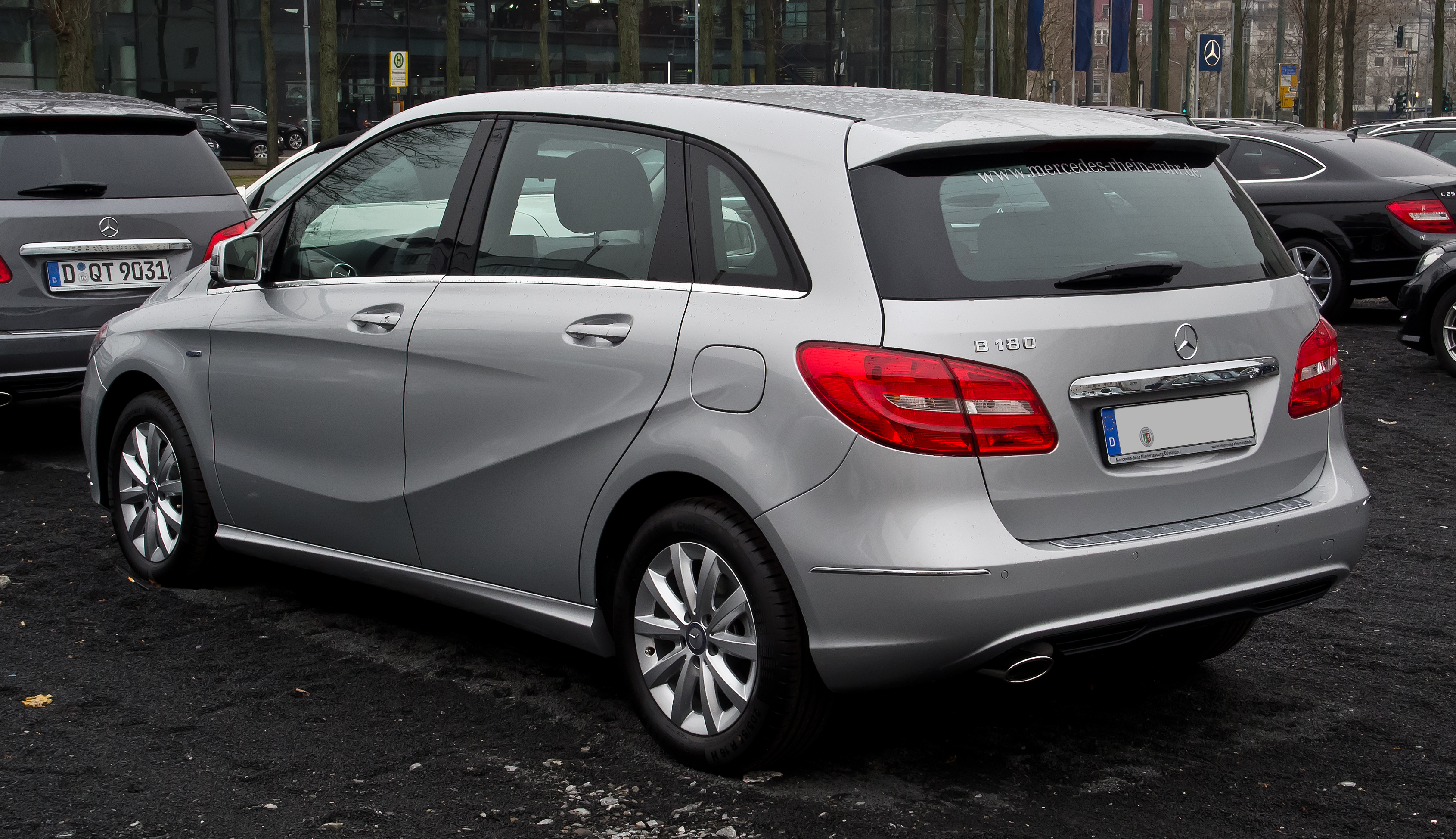 File mercedes benz b 180 blueefficiency w 246 for What is service a and b on mercedes benz