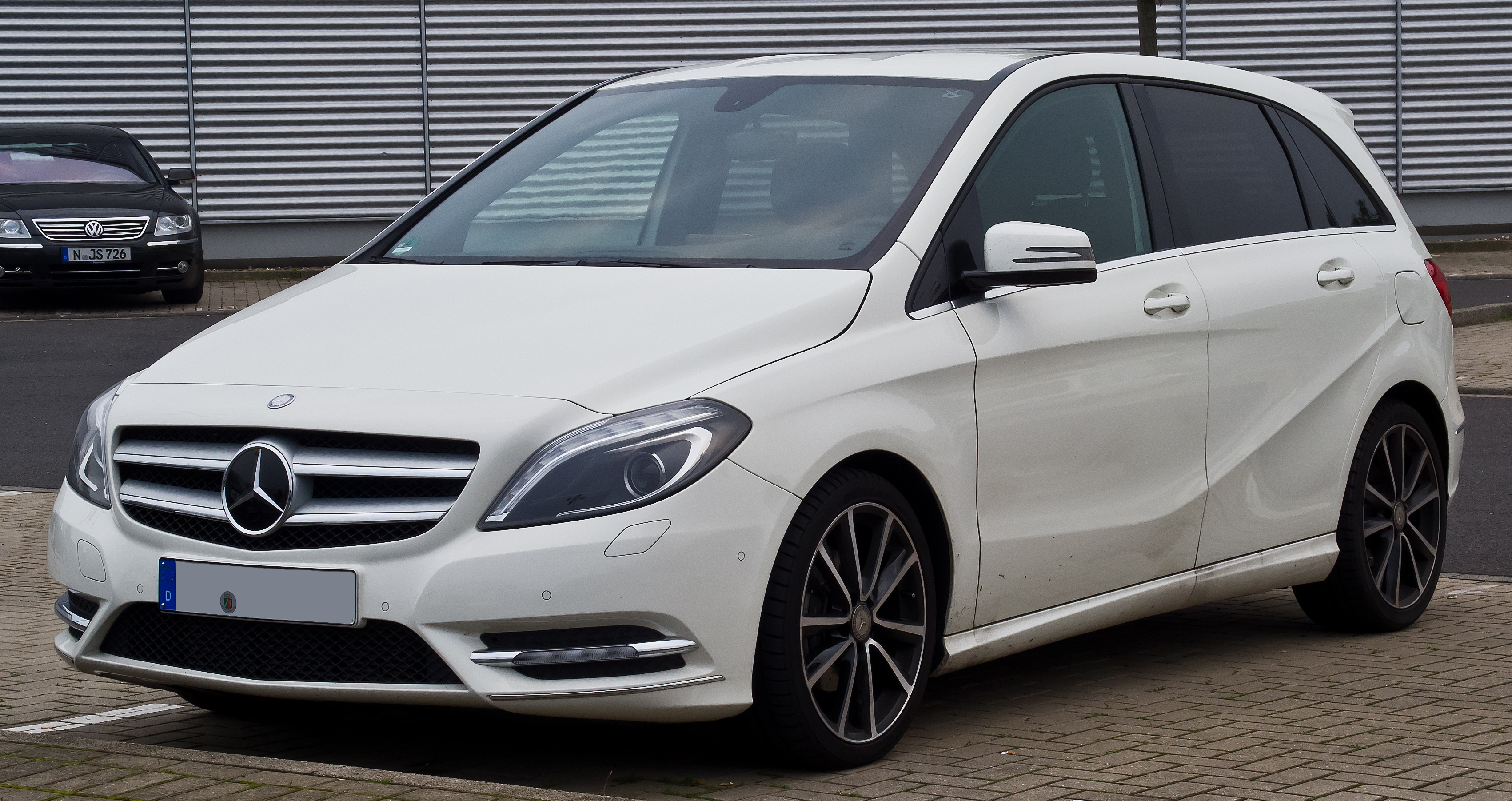 Datei mercedes benz b 180 cdi sport paket w 246 for What is service a and b on mercedes benz