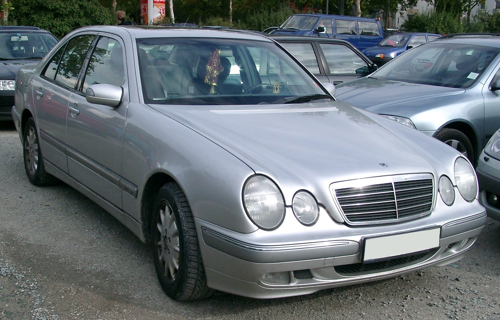 File Mercedes W210 Front 20070926 Jpg Wikimedia Commons