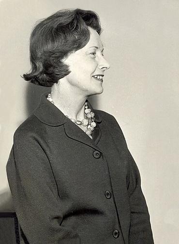 Mme Barbara Castle, Ministre britannique du d%C3%A9veloppement outre-mer.jpg
