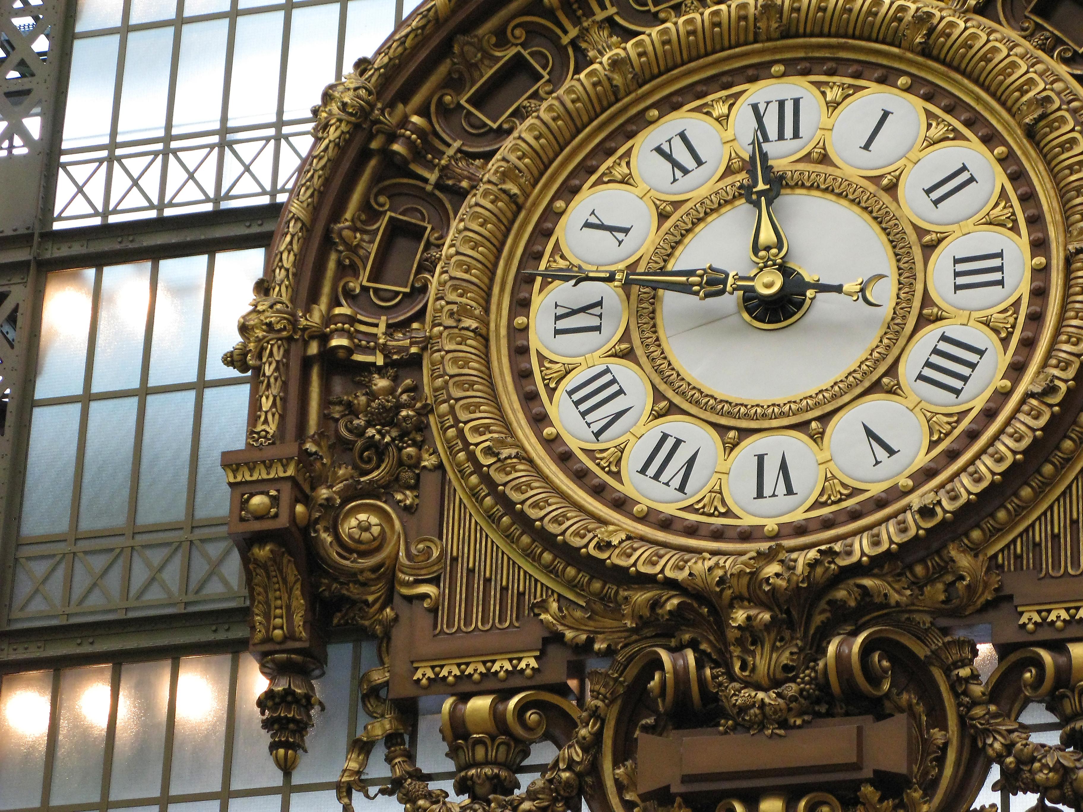 musee-d'orsay-clock-paris