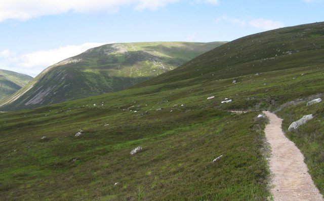 Path leading into the Sneck - geograph.org.uk - 207064