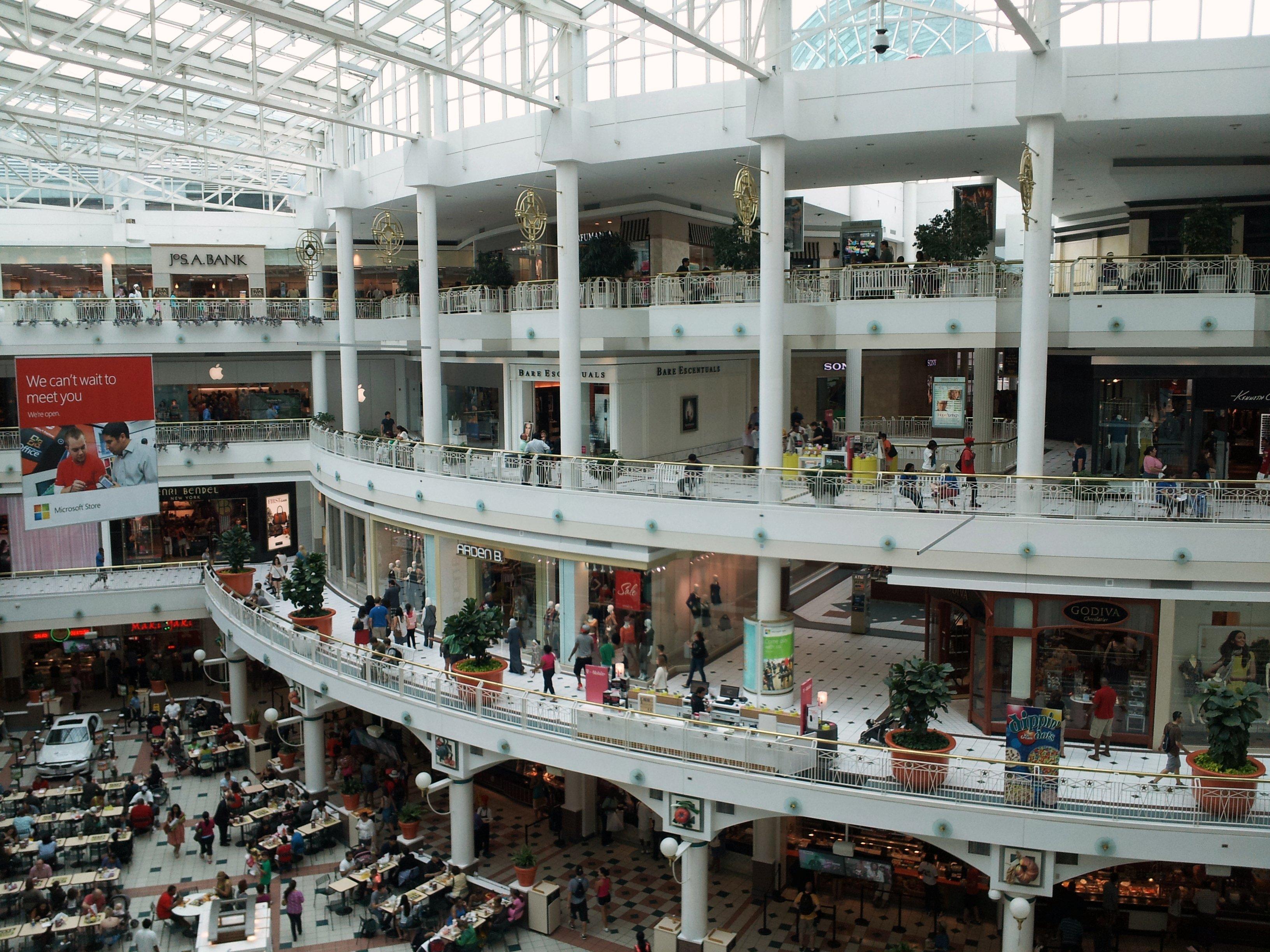 Pentagon Fashion Center Stores