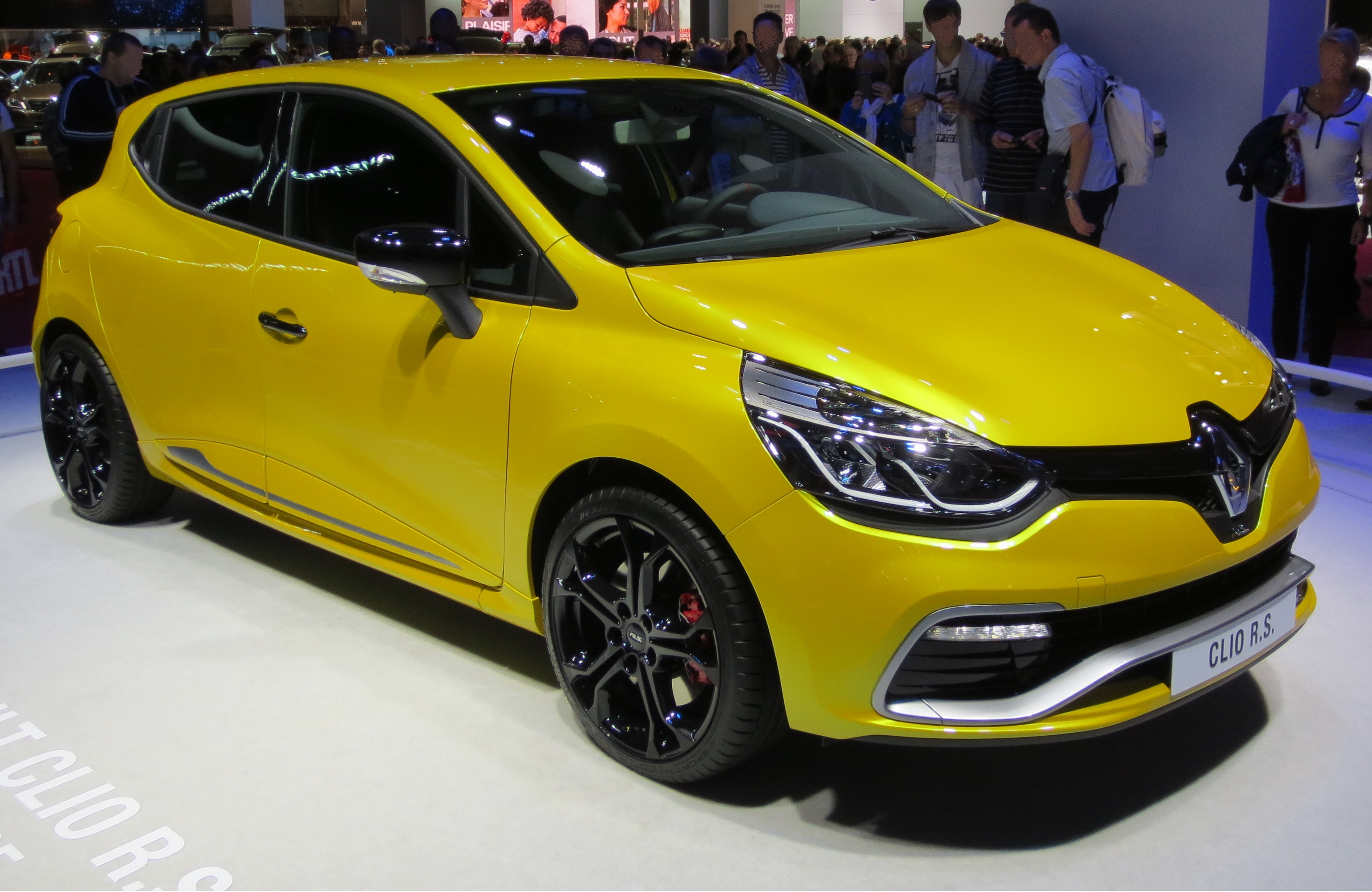 file renault clio iv rs front jpg wikimedia commons. Black Bedroom Furniture Sets. Home Design Ideas