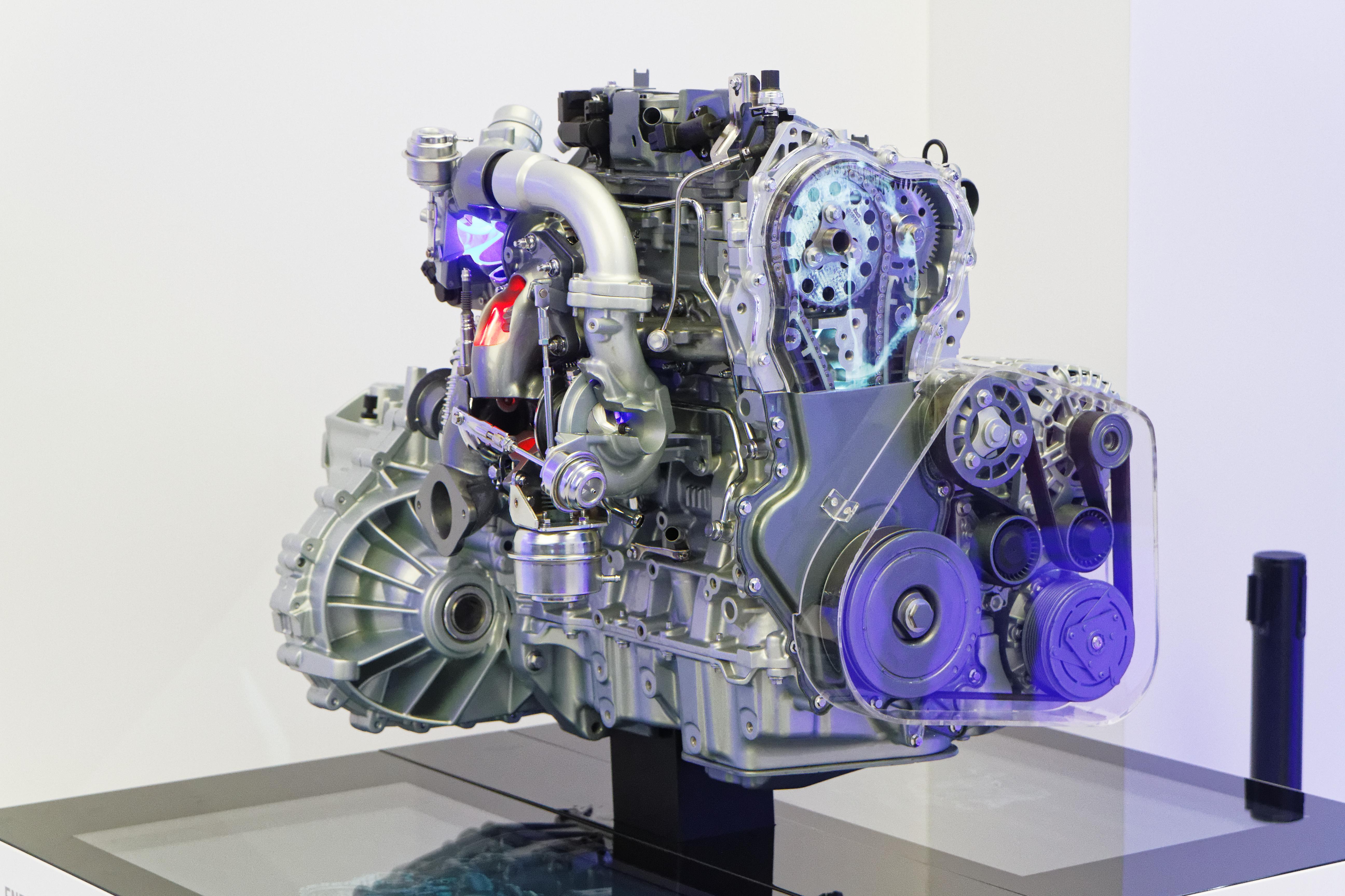 File:Renault moteur energy dCi 160 twin turbo EDC - Mondial