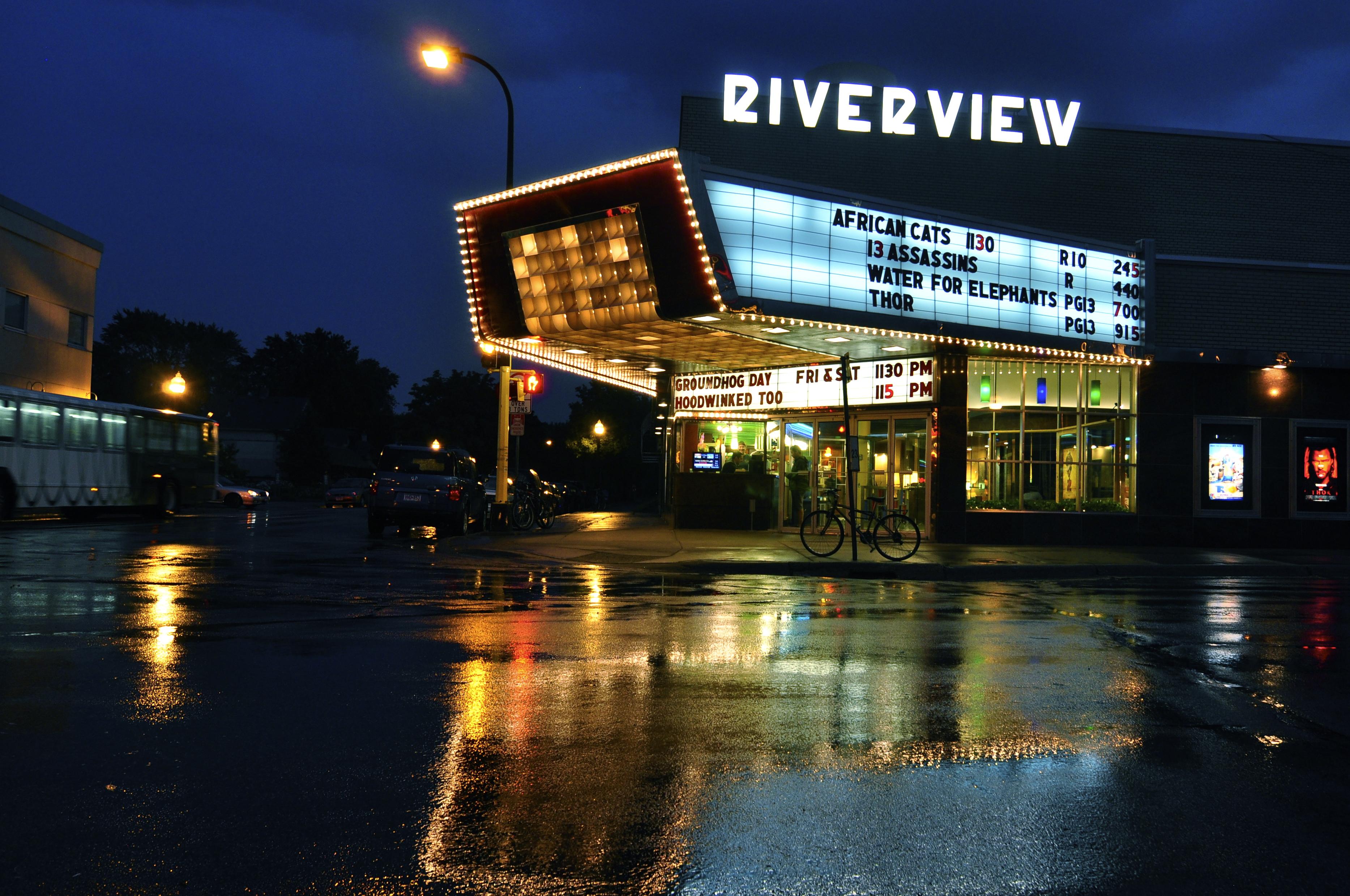File Riverview Theater Night July Wikipedia