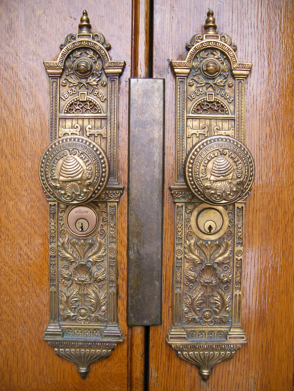 File:Salt Lake Temple West Side Doorknob Detail.jpg - Wikimedia Commons