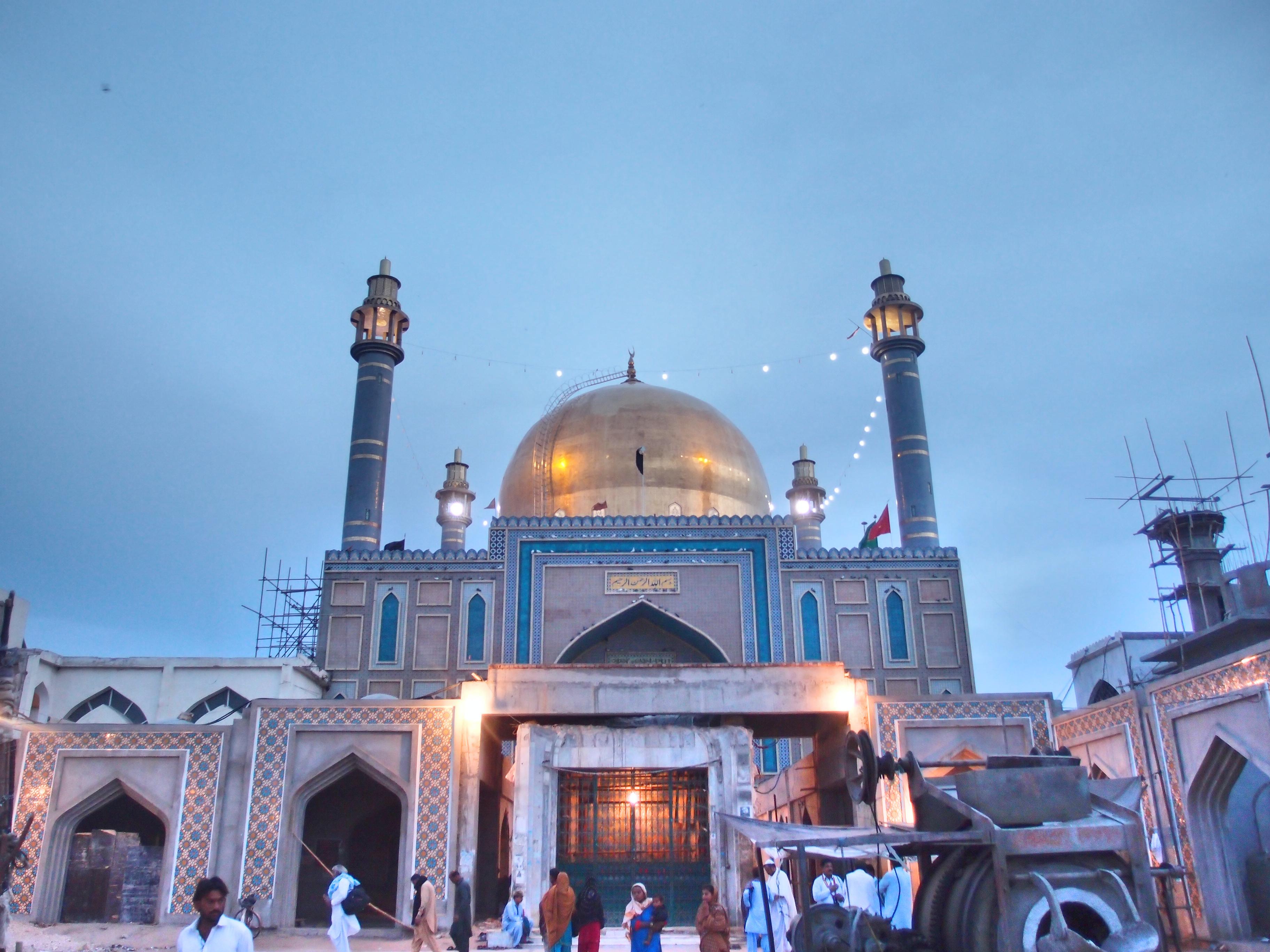 File:Shrine of Lal Shahbaz Qalandar view4.JPG - Wikimedia ...